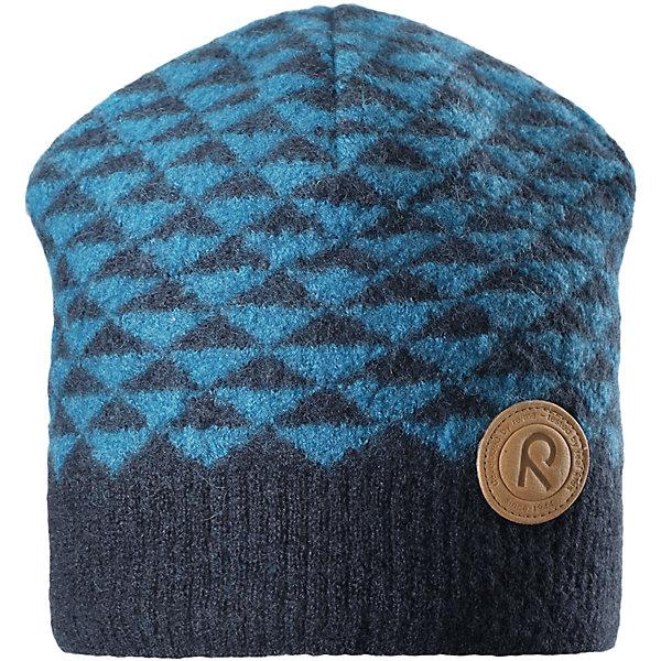 Шапка Reima Kaamos для мальчикаШапки и шарфы<br>Характеристики товара:<br><br>• цвет: синий;<br>• состав: 100% шерсть;<br>• подкладка: 97% хлопок, 3% эластан;<br>• без дополнительного утепления;<br>• сезон: зима;<br>• температурный режим: от 0 до -20С;<br>• шерсть идеально поддерживает температуру;<br>• ветронепроницаемые вставки в области ушей;<br>• сплошная подкладка: хлопковый трикотаж с эластаном;<br>• теплая шерстяная вязка (волокно);<br>• логотип Reima® сбоку;<br>• страна бренда: Финляндия;<br>• страна изготовитель: Китай.<br><br>Детская шапка из теплого шерстяного трикотажа. Материал превосходно регулирует температуру и хорошо согревает голову. Ветронепроницаемые вставки и трикотажная подкладка в рубчик из смеси хлопка и эластана. Декоративная структурная вязка.<br><br>Шапку Kaamos Reima от финского бренда Reima (Рейма) можно купить в нашем интернет-магазине.<br>Ширина мм: 89; Глубина мм: 117; Высота мм: 44; Вес г: 155; Цвет: синий; Возраст от месяцев: 36; Возраст до месяцев: 48; Пол: Мужской; Возраст: Детский; Размер: 50,56,54,52; SKU: 6902738;