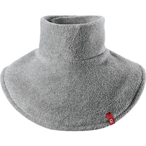 Флисовая манишка Reima DollartВерхняя одежда<br>Характеристики товара:<br><br>• цвет: серый;<br>• состав: 100% полиэстер, флис;<br>• сезон: зима;<br>• особенности: флисовая;<br>• застежка: липучка сзади;<br>• дышащий, теплый и быстросохнущий флис;<br>• частичная подкладка;<br>• логотип Reima® спереди;<br>• страна бренда: Финляндия;<br>• страна производства: Китай.<br><br>Флисовая манишка для малышей и детей постарше сделает любую демисезонную и зимнюю верхнюю одежду теплее и уютнее. Теплый флис – мягкий и приятный на ощупь, а застежка-липучка сзади облегчает надевание и не дает горловине сползать. Легкий, быстросохнущий, и дышащий полярный флис отводит влагу с кожи.<br><br>Флисовую манишку Reima Dollart можно купить в нашем интернет-магазине.<br><br>Ширина мм: 88<br>Глубина мм: 155<br>Высота мм: 26<br>Вес г: 106<br>Цвет: серый<br>Возраст от месяцев: 48<br>Возраст до месяцев: 168<br>Пол: Унисекс<br>Возраст: Детский<br>Размер: one size<br>SKU: 6902769