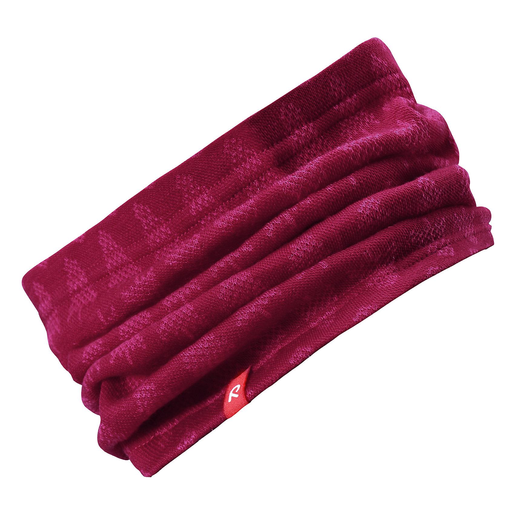 Шарф-хомут Reima EllivaaraВерхняя одежда<br>Характеристики товара:<br><br>• цвет: розовый;<br>• состав: 80% шерсть, 20% полиакрил;<br>• без дополнительного утепления;<br>• сезон: зима;<br>• температурный режим: от 0 до -20С;<br>• шерсть идеально поддерживает температуру;<br>• мягкий, теплый и приятный на ощупь трикотаж;<br>• легкий стиль, без подкладки;<br>• логотип Reima® сбоку;<br>• страна бренда: Финляндия;<br>• страна изготовитель: Китай.<br><br>Детская горловина, или шарф-хомут, очень удобна – просто наденьте ее на шею, и прогулка будет теплой и приятной. Шерсть – превосходный терморегулятор. Этот шарф-хомут связан из мягкой, теплой и приятной на ощупь пряжи. Универсальный шарф можно надевать на голову как повязку для защиты волос и ушей или даже носить как шапку.<br><br>Шарф Ellivaara Reima от финского бренда Reima (Рейма) можно купить в нашем интернет-магазине.<br><br>Ширина мм: 88<br>Глубина мм: 155<br>Высота мм: 26<br>Вес г: 106<br>Цвет: розовый<br>Возраст от месяцев: 72<br>Возраст до месяцев: 84<br>Пол: Унисекс<br>Возраст: Детский<br>Размер: 54/56,46/48,50/52<br>SKU: 6902858