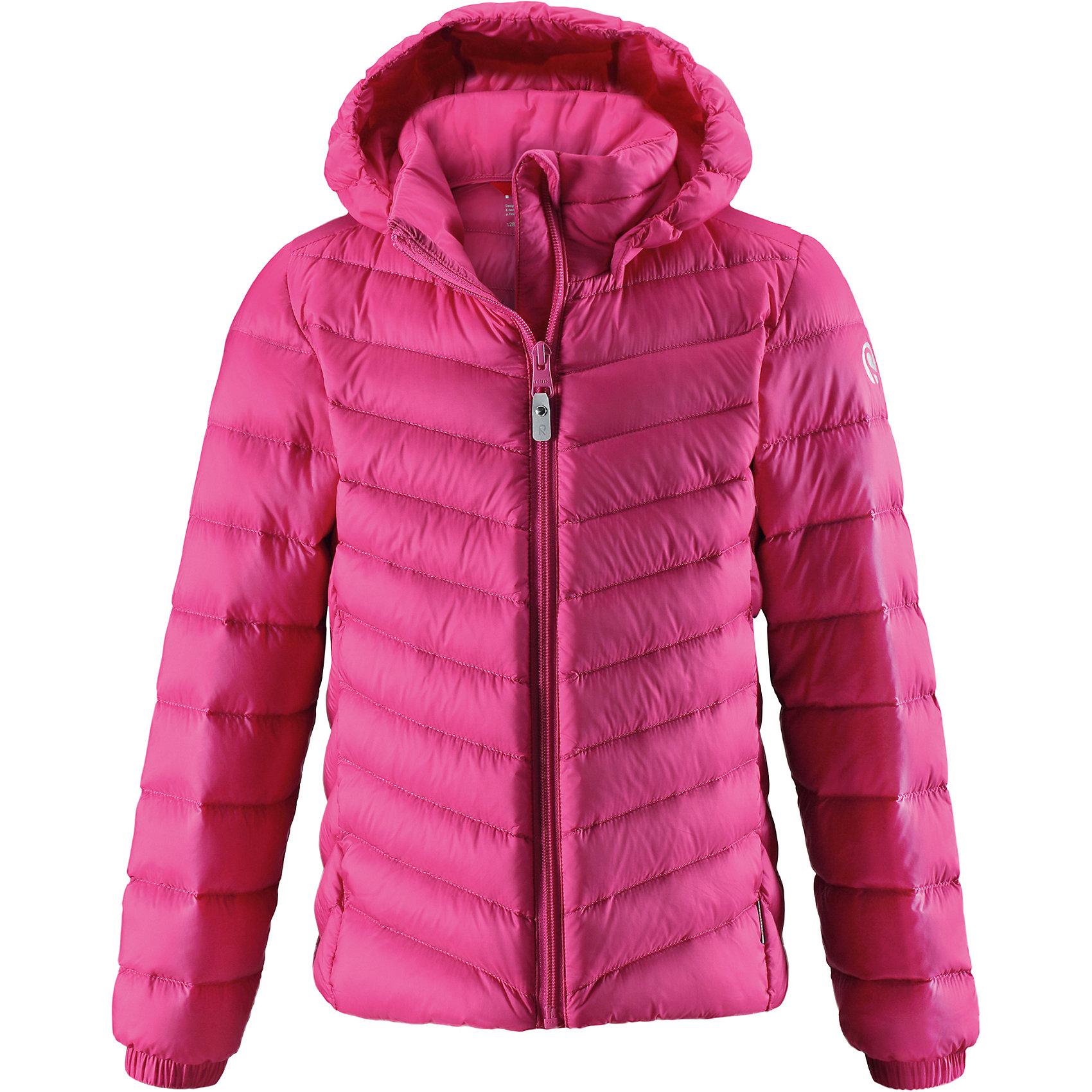 Куртка Fern Reima для девочкиОдежда<br>Куртка-пуховик для подростков сшита из водоотталкивающего, ветронепроницаемого и дышащего материала. Благодаря гладкой подкладке куртка легко надевается, а удобная двусторонняя молния превратит одевание в веселую игру.  Эластичный край подола и поясок на спинке придают этой стильной удлиненной куртке красивый силуэт. Куртка снабжена безопасным съемным капюшоном со стильной съемной отделкой из искусственного меха. Обратите внимание на удобную петельку, спрятанную в кармане с клапаном – к ней можно прикрепить любимый светоотражатель ребенка для обеспечения лучшей видимости. В комплекте с курткой идет отдельная сумка для ее хранения. Роскошная, модная, легкая и теплая куртка станет отличным вариантом и для игр во дворе, и для прогулок по городу.<br>Состав:<br>100% Полиамид<br><br>Ширина мм: 356<br>Глубина мм: 10<br>Высота мм: 245<br>Вес г: 519<br>Цвет: розовый<br>Возраст от месяцев: 156<br>Возраст до месяцев: 168<br>Пол: Женский<br>Возраст: Детский<br>Размер: 164,104,110,116,122,128,134,140,146,152,158<br>SKU: 6902932