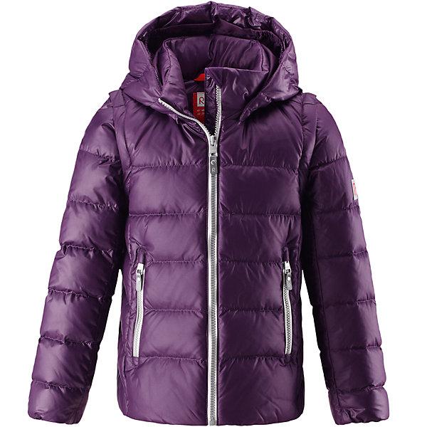 Куртка Reima Minna для девочкиОдежда<br>Характеристики товара:<br><br>• цвет: фиолетовый;<br>• состав: 100% полиамид;<br>• подкладка: 100% полиэстер;<br>• утеплитель: 60% пух, 40% перо;<br>• сезон: зима;<br>• температурный режим: от 0 до -20С;<br>• воздухопроницаемость: 3000 мм;<br>• пуховая куртка для подростков;<br>• водоотталкивающий, ветронепроницаемый и дышащий материал;<br>• гладкая подкладка из полиэстера;<br>• безопасный, съемный капюшон;<br>• отстегивающиеся рукава на молнии;<br>• два боковых кармана;<br>• светоотражающие детали;<br>• страна бренда: Финляндия;<br>• страна изготовитель: Китай.<br><br>Очень легкая, но при этом теплая и практичная слегка удлиненная куртка для подростков в одно мгновение превращается в жилетку. Эта практичная куртка снабжена утеплителем пух/перо (60/40%). Куртку с гладкой подкладкой из полиэстера легко надевать и очень удобно носить. В теплую погоду стоит лишь отстегнуть рукава, и куртка превратится в жилетку. Наденьте ее с удобной кофтой, и у вас получится модный и стильный наряд. <br><br>А когда на улице похолодает, жилетку можно поддевать в качестве промежуточного слоя. Куртка оснащена съемным капюшоном, что обеспечивает дополнительную безопасность во время активных прогулок – капюшон легко отстегивается, если случайно за что-нибудь зацепится. Есть два кармана на молнии для мобильного телефона и других ценных мелочей. Эту модель для девочек довершают практичные детали: длинная молния высокого качества и светоотражающие элементы.<br><br>Куртку Minna для девочки Reima от финского бренда Reima (Рейма) можно купить в нашем интернет-магазине.<br>Ширина мм: 356; Глубина мм: 10; Высота мм: 245; Вес г: 519; Цвет: лиловый; Возраст от месяцев: 84; Возраст до месяцев: 96; Пол: Женский; Возраст: Детский; Размер: 128,122,116,110,104,164,158,152,146,140,134; SKU: 6903040;