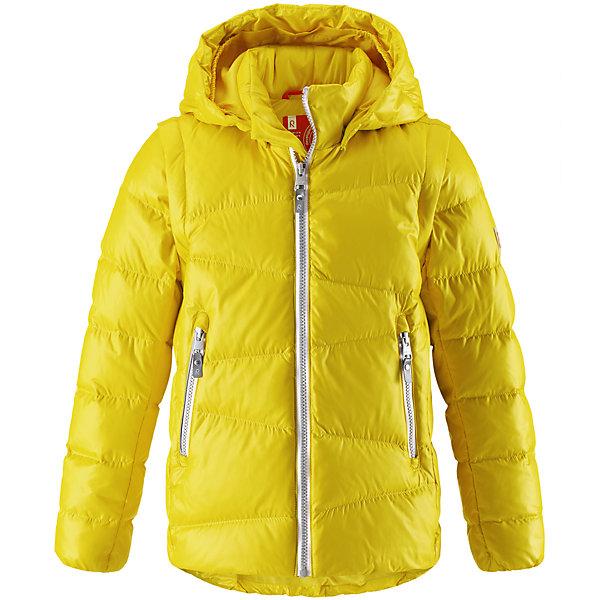 Куртка Reima Martti для мальчикаОдежда<br>Характеристики товара:<br><br>• цвет: желтый;<br>• состав: 100% полиамид;<br>• подкладка: 100% полиэстер;<br>• утеплитель: 60% пух, 40% перо;<br>• сезон: зима;<br>• температурный режим: от 0 до -20С;<br>• воздухопроницаемость: 3000 мм;<br>• пуховая куртка для подростков;<br>• водоотталкивающий, ветронепроницаемый и дышащий материал;<br>• гладкая подкладка из полиэстера;<br>• безопасный, съемный капюшон;<br>• отстегивающиеся рукава на молнии;<br>• два боковых кармана;<br>• светоотражающие детали;<br>• страна бренда: Финляндия;<br>• страна изготовитель: Китай.<br><br>Очень легкая, но при этом теплая и практичная слегка удлиненная куртка для подростков в одно мгновение превращается в жилетку. Эта практичная куртка снабжена утеплителем пух/перо (60/40%). Куртку с гладкой подкладкой из полиэстера легко надевать и очень удобно носить. В теплую погоду стоит лишь отстегнуть рукава, и куртка превратится в жилетку. Наденьте ее с удобной кофтой, и у вас получится модный и стильный наряд. <br><br>А когда на улице похолодает, жилетку можно поддевать в качестве промежуточного слоя. Куртка оснащена съемным капюшоном, что обеспечивает дополнительную безопасность во время активных прогулок – капюшон легко отстегивается, если случайно за что-нибудь зацепится. Два кармана на молнии для мобильного телефона и других ценных мелочей. Образ довершают практичные детали: длинная молния высокого качества и светоотражающие элементы.<br><br>Куртку Martti для мальчика Reima от финского бренда Reima (Рейма) можно купить в нашем интернет-магазине.<br>Ширина мм: 356; Глубина мм: 10; Высота мм: 245; Вес г: 519; Цвет: желтый; Возраст от месяцев: 36; Возраст до месяцев: 48; Пол: Мужской; Возраст: Детский; Размер: 122,116,164,158,152,146,140,104,134,128,110; SKU: 6903064;