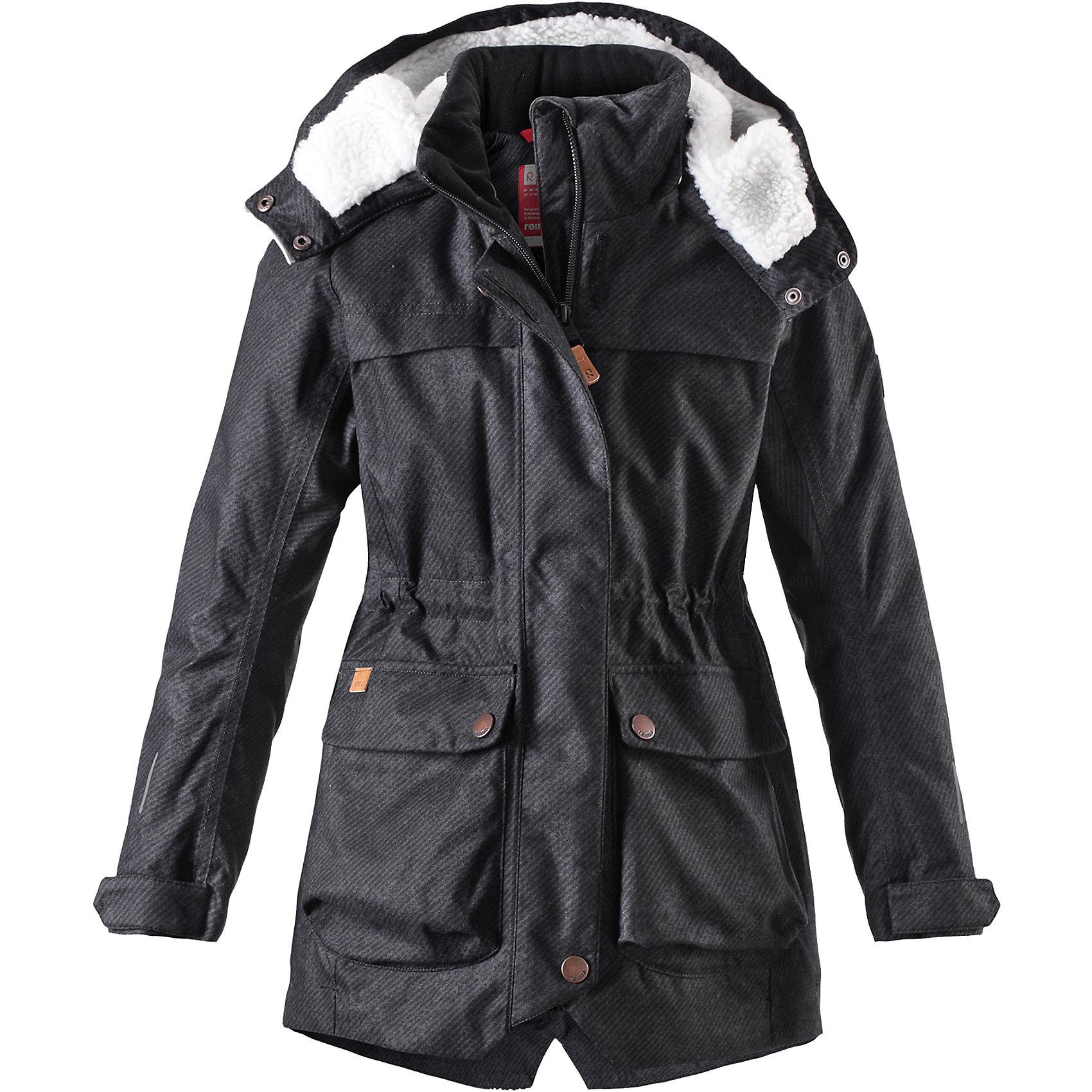 Куртка Reima Pirkko для девочкиОдежда<br>Характеристики товара:<br><br>• цвет: черный;<br>• состав: 100% полиэстер;<br>• подкладка: 100% полиэстер;<br>• утеплитель: 140 г/м2;<br>• сезон: зима;<br>• температурный режим: от 0 до -20С;<br>• водонепроницаемость: 3000 мм;<br>• воздухопроницаемость: 7000 мм;<br>• износостойкость: 10000 циклов (тест Мартиндейла);<br>• водо- и ветронепроницаемый, дышащий и грязеотталкивающий материал;<br>• основные швы проклеены и не пропускают влагу;<br>• застежка: молния с дополнительной планкой;<br>• махровая подкладка на капюшоне;<br>• теплая стеганая подкладка;<br>• безопасный съемный капюшон;<br>• регулируемые манжеты;<br>• внутренняя регулировка обхвата талии;<br>• удлиненный подол сзади;<br>• два кармана с кнопками:<br>• светоотражающие детали;<br>• страна бренда: Финляндия;<br>• страна изготовитель: Китай.<br><br>Теплая, водо и ветронепроницаемая зимняя куртка Reimatec® для детей и подростков. Материал куртки не только водонепроницаемый, ветронепроницаемый и при этом дышащий, но также имеет водо и грязеотталкивающую поверхность. Все основные швы проклеены, водонепроницаемы. Верхняя часть куртки и капюшон подбиты теплой стеганой подкладкой. <br><br>Куртка снабжена съемным капюшоном, что обеспечивает дополнительную безопасность во время активных прогулок – капюшон легко отстегивается, если случайно за что-нибудь зацепится. Образ довершают практичные детали: два больших кармана с клапанами, длинная молния высокого качества и светоотражающие элементы.<br><br>Куртку Pirkko для девочки Reima от финского бренда Reima (Рейма) можно купить в нашем интернет-магазине.<br><br>Ширина мм: 356<br>Глубина мм: 10<br>Высота мм: 245<br>Вес г: 519<br>Цвет: черный<br>Возраст от месяцев: 36<br>Возраст до месяцев: 48<br>Пол: Женский<br>Возраст: Детский<br>Размер: 104,164,110,116,122,128,134,140,146,152,158<br>SKU: 6903088