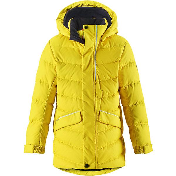 Куртка Reima Janne для мальчикаВерхняя одежда<br>Характеристики товара:<br><br>• цвет: желтый;<br>• состав: 100% полиэстер;<br>• подкладка: 100% полиэстер;<br>• утеплитель: 60% пух, 40; перо;<br>• сезон: зима;<br>• температурный режим: от 0 до -30С;<br>• водонепроницаемость: 5000 мм;<br>• воздухопроницаемость: 2000 мм;<br>• износостойкость: 10000 циклов (тест Мартиндейла);<br>• водо- и ветронепроницаемый, дышащий и грязеотталкивающий материал;<br>• основные швы проклеены и не пропускают влагу;<br>• застежка: молния с дополнительной планкой;<br>• гладкая подкладка из полиэстера;<br>• безопасный съемный капюшон;<br>• регулируемые манжеты и подол;<br>• петля для дополнительных светоотражающих деталей;<br>• два кармана с кнопками:<br>• светоотражающие детали;<br>• страна бренда: Финляндия;<br>• страна изготовитель: Китай.<br><br>Пуховая куртка для спорта и прогулок по городу. Поверхность с ромбовидным узором добби, утеплитель пух/перо (60/40%). Эта удлиненная модель изготовлена из дышащего, водо и ветронепроницаемого материала. В куртке вашему ребенку будет тепло и уютно в морозный день. Благодаря подкладке из гладкого полиэстера, куртка легко надевается. <br><br>Снабжена безопасным съемным капюшоном, а также регулируемыми манжетами и подолом. Куртка изготовлена из грязеотталкивающего материала, но при этом ее можно сушить в сушильной машине. Она снабжена двумя карманами с клапанами, в одном из которых спрятана удобная петелька. Прикрепите на нее любимый светоотражатель вашего ребенка и обеспечьте ему безопасность и лучшую видимость!<br><br>Куртку Janne для мальчика Reima от финского бренда Reima (Рейма) можно купить в нашем интернет-магазине.<br><br>Ширина мм: 356<br>Глубина мм: 10<br>Высота мм: 245<br>Вес г: 519<br>Цвет: желтый<br>Возраст от месяцев: 36<br>Возраст до месяцев: 48<br>Пол: Мужской<br>Возраст: Детский<br>Размер: 104,164,158,152,146,140,134,128,122,116,110<br>SKU: 6903172