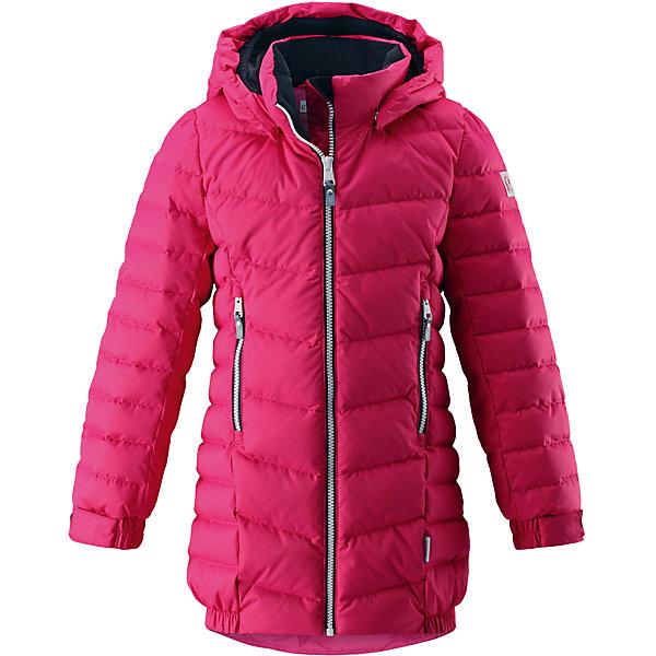 Куртка Reima Juuri для девочкиОдежда<br>Характеристики товара:<br><br>• цвет: фуксия;<br>• состав: 100% полиэстер;<br>• подкладка: 100% полиэстер;<br>• утеплитель: 60% пух, 40; перо;<br>• сезон: зима;<br>• температурный режим: от 0 до -30С;<br>• водонепроницаемость: 5000 мм;<br>• воздухопроницаемость: 2000 мм;<br>• износостойкость: 10000 циклов (тест Мартиндейла);<br>• водо- и ветронепроницаемый, дышащий и грязеотталкивающий материал;<br>• основные швы проклеены и не пропускают влагу;<br>• застежка: молния с дополнительной планкой;<br>• гладкая подкладка из полиэстера;<br>• безопасный съемный капюшон;<br>• регулируемые манжеты;<br>• затягиваемый подол;<br>• два кармана на молнии:<br>• светоотражающие детали;<br>• страна бренда: Финляндия;<br>• страна изготовитель: Китай.<br><br>Куртка-пуховик для детей и подростков в спортивно-городском стиле. Поверхность с ромбовидным узором добби, утеплитель пух/перо (60/40%). Куртка изготовлена из дышащего, водо и ветронепроницаемого материала, в ней вашему ребенку будет тепло и уютно в морозный день. <br><br>Благодаря подкладке из гладкого полиэстера, куртка легко надевается. Снабжена безопасным съемным капюшоном, карманами на молнии и эластичной сборкой по краю капюшона, на манжетах и подоле. Куртка изготовлена из грязеотталкивающего материала, но при этом ее можно сушить в сушильной машине.<br><br>Куртку Juuri для девочки Reima от финского бренда Reima (Рейма) можно купить в нашем интернет-магазине.<br>Ширина мм: 356; Глубина мм: 10; Высота мм: 245; Вес г: 519; Цвет: розовый; Возраст от месяцев: 36; Возраст до месяцев: 48; Пол: Женский; Возраст: Детский; Размер: 104,164,158,152,146,140,134,128,122,116,110; SKU: 6903220;
