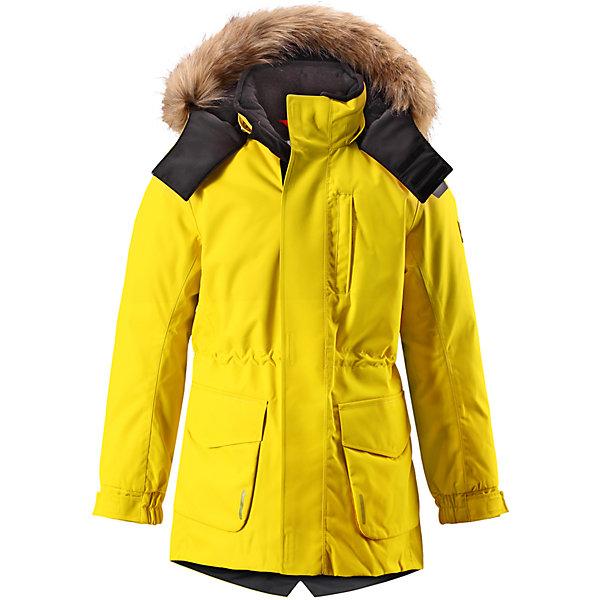 Куртка Reimatec® Reima Naapuri для мальчикаВерхняя одежда<br>Характеристики товара:<br><br>• цвет: желтый;<br>• 100% полиэстер, полиуретановое покрытие;<br>• утеплитель: 100% полиэстер 140 г/м2;<br>• сезон: зима;<br>• температурный режим: от 0 до -20С;<br>• водонепроницаемость: 15000 мм;<br>• воздухопроницаемость: 7000 мм;<br>• износостойкость: 30000 циклов (тест Мартиндейла)<br>• особенности: с мехом;<br>• водо- и ветронепроницаемый, дышащий и грязеотталкивающий материал;<br>• все швы проклеены и водонепроницаемы;<br>• гладкая подкладка из полиэстера;<br>• безопасный съемный и регулируемый капюшон;<br>• съемный искусственный мех на капюшоне;<br>• регулируемые манжеты рукавов;<br>• внутренняя регулировка обхвата талии;<br>• внутренний нагрудный карман;<br>• внешний нагрудный карман;<br>• два накладных кармана;<br>• петля для крепления ключей или дополнительных светоотражателей;<br>• светоотражающие элементы;<br>• страна бренда: Финляндия;<br>• страна производства: Китай.<br><br>Удлиненная зимняя куртка из специального водо-и ветронепроницаемого материала хорошо пропускает воздух и обладает водо и грязеотталкивающими свойствами. Все швы проклеены и водонепроницаемы, так что дети могут наслаждаться веселыми зимними забавами в любую погоду. У этой модели прямой покрой с регулируемой талией и подолом, так что при желании силуэт можно сделать более приталенным. <br><br>Куртка снабжена двумя большими карманами с клапанами и двумя нагрудными карманами, один из которых на молнии. Удобная петелька, спрятанная в кармане с клапаном – к ней можно прикрепить светоотражатель или ключи. Безопасный съемный капюшон с элегантной съемной оторочкой из искусственного меха. Эта куртка очень проста в уходе, кроме того, ее можно сушить в стиральной машине.<br><br>Куртку Naapuri для мальчика Reimatec® Reima (Рейма) можно купить в нашем интернет-магазине.<br><br>Ширина мм: 356<br>Глубина мм: 10<br>Высота мм: 245<br>Вес г: 519<br>Цвет: желтый<br>Возраст от месяцев: 144<br>Возраст до месяцев: 