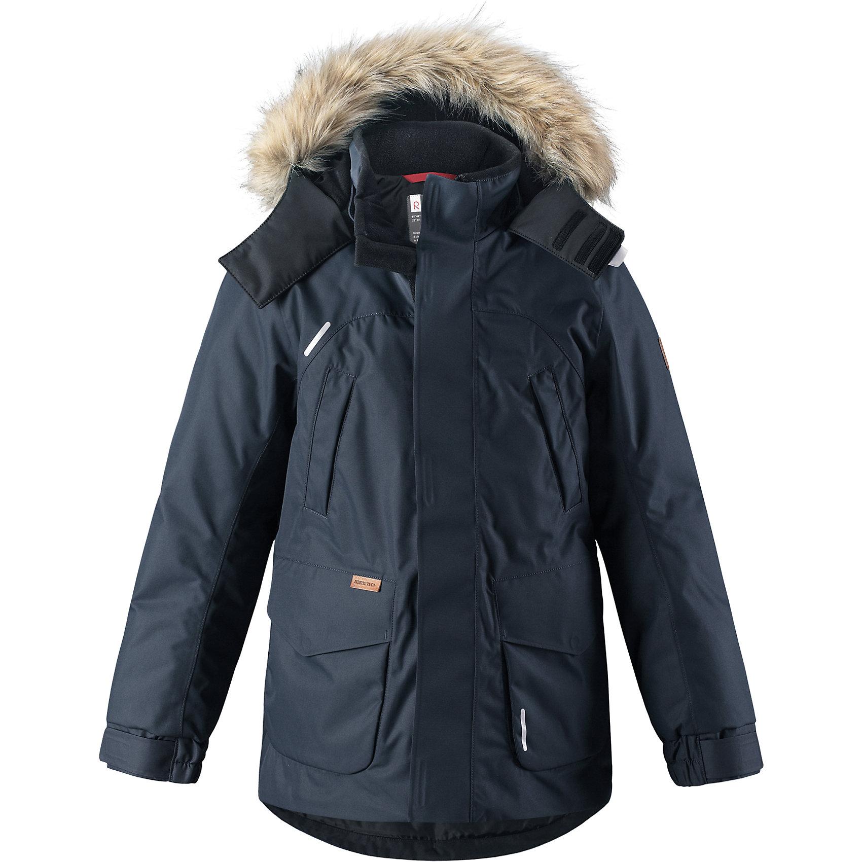Куртка Reimatec®+ Reima SerkkuВерхняя одежда<br>Характеристики товара:<br><br>• цвет: темно-синий;<br>• состав: 100% полиэстер;<br>• подкладка: 100% полиэстер;<br>• утеплитель: 60% пух, 40% перо;<br>• сезон: зима;<br>• температурный режим: от 0 до -20С;<br>• водонепроницаемость: 15000 мм;<br>• воздухопроницаемость: 7000 мм;<br>• износостойкость: 40000 циклов (тест Мартиндейла);<br>• водо- и ветронепроницаемый, дышащий и грязеотталкивающий материал;<br>• все швы проклеены и водонепроницаемы;<br>• застежка: молния с дополнительной планкой;<br>• гладкая подкладка из полиэстера;<br>• безопасный съемный капюшон;<br>• съемный искусственный мех на капюшоне;<br>• регулируемые манжеты и подол;<br>• внутренняя регулировка талии;<br>• удлиненный подол сзади;<br>• два прорезных кармана;<br>• нагрудные карманы;<br>• внутренний нагрудный карман;<br>• петля для дополнительных светоотражающих деталей;<br>• светоотражающие детали;<br>• страна бренда: Финляндия;<br>• страна изготовитель: Китай.<br><br>Теплая детская куртка-пуховик сшита из ветронепроницаемого и дышащего материала, который, к тому же, абсолютно водонепроницаемый! Все швы в этой стильной куртке проклеены и водонепроницаемы, что гарантирует максимальный комфорт во время зимних прогулок, при любой погоде. Талия и подол этой удлиненной модели легко регулируются, что позволяет подогнать куртку точно по фигуре. <br><br>Съемный капюшон защищает от пронизывающего ветра и безопасен во время игр на свежем воздухе. Кнопки легко отстегиваются, если капюшон случайно за что-нибудь зацепится. Куртка подшита гладкой подкладкой. Модный образ дополняет капюшон с элегантной оторочкой из искусственного меха, которую при желании также можно снять. В нескольких карманах удобно хранить разные важные предметы во время прогулок.<br><br>Куртку Serkku Reimatec®+ Reima от финского бренда Reima (Рейма) можно купить в нашем интернет-магазине.<br><br>Ширина мм: 356<br>Глубина мм: 10<br>Высота мм: 245<br>Вес г: 519<br>Цвет: синий<br>Возраст от месяц