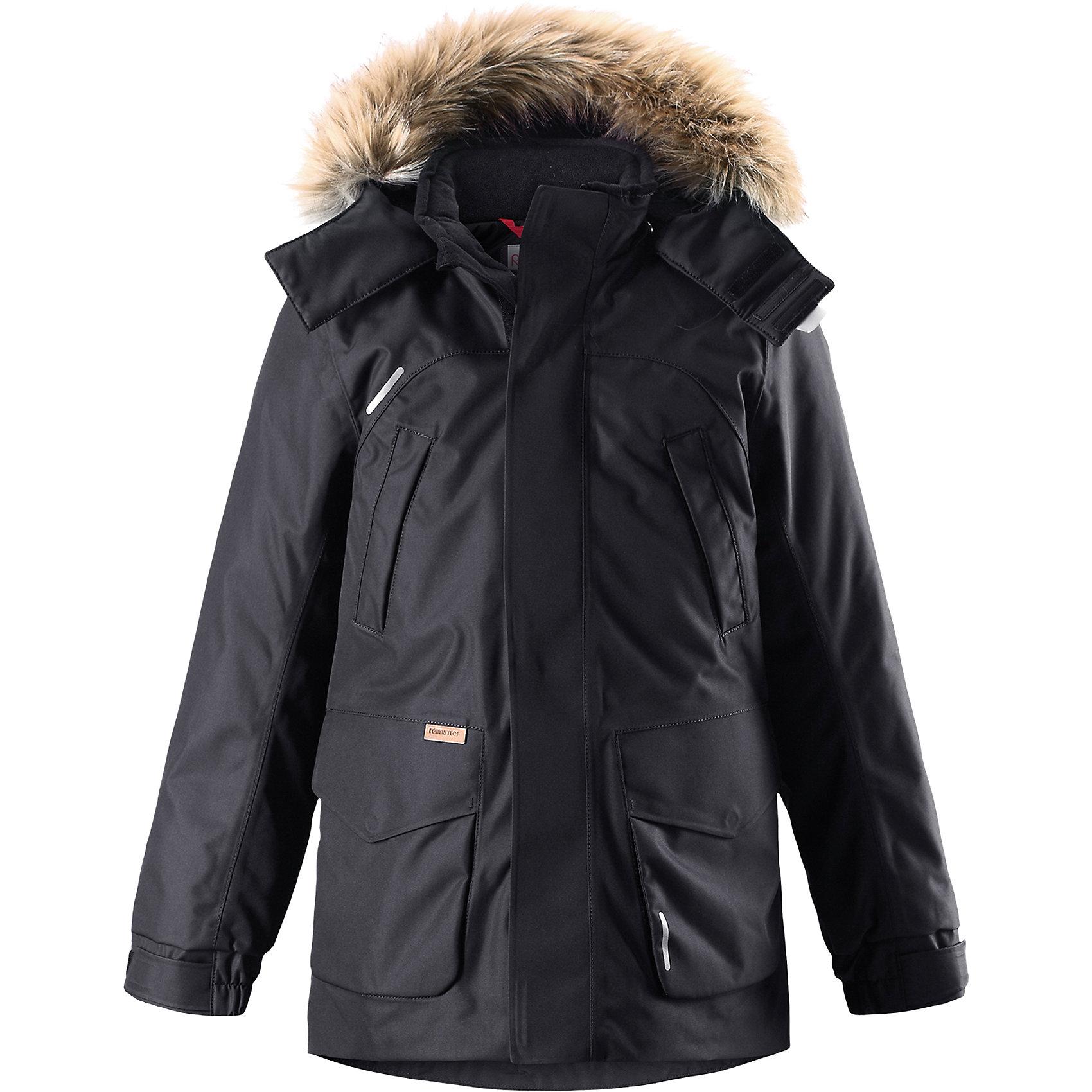 Куртка Reimatec®+ Reima SerkkuВерхняя одежда<br>Характеристики товара:<br><br>• цвет: черный;<br>• состав: 100% полиэстер;<br>• подкладка: 100% полиэстер;<br>• утеплитель: 60% пух, 40% перо;<br>• сезон: зима;<br>• температурный режим: от 0 до -20С;<br>• водонепроницаемость: 15000 мм;<br>• воздухопроницаемость: 7000 мм;<br>• износостойкость: 40000 циклов (тест Мартиндейла);<br>• водо- и ветронепроницаемый, дышащий и грязеотталкивающий материал;<br>• все швы проклеены и водонепроницаемы;<br>• застежка: молния с дополнительной планкой;<br>• гладкая подкладка из полиэстера;<br>• безопасный съемный капюшон;<br>• съемный искусственный мех на капюшоне;<br>• регулируемые манжеты и подол;<br>• внутренняя регулировка талии;<br>• удлиненный подол сзади;<br>• два прорезных кармана;<br>• нагрудные карманы;<br>• внутренний нагрудный карман;<br>• петля для дополнительных светоотражающих деталей;<br>• светоотражающие детали;<br>• страна бренда: Финляндия;<br>• страна изготовитель: Китай.<br><br>Теплая детская куртка-пуховик сшита из ветронепроницаемого и дышащего материала, который, к тому же, абсолютно водонепроницаемый! Все швы в этой стильной куртке проклеены и водонепроницаемы, что гарантирует максимальный комфорт во время зимних прогулок, при любой погоде. Талия и подол этой удлиненной модели легко регулируются, что позволяет подогнать куртку точно по фигуре. <br><br>Съемный капюшон защищает от пронизывающего ветра и безопасен во время игр на свежем воздухе. Кнопки легко отстегиваются, если капюшон случайно за что-нибудь зацепится. Куртка подшита гладкой подкладкой. Модный образ дополняет капюшон с элегантной оторочкой из искусственного меха, которую при желании также можно снять. В нескольких карманах удобно хранить разные важные предметы во время прогулок.<br><br>Куртку Serkku Reimatec®+ Reima от финского бренда Reima (Рейма) можно купить в нашем интернет-магазине.<br><br>Ширина мм: 356<br>Глубина мм: 10<br>Высота мм: 245<br>Вес г: 519<br>Цвет: черный<br>Возраст от месяцев: 
