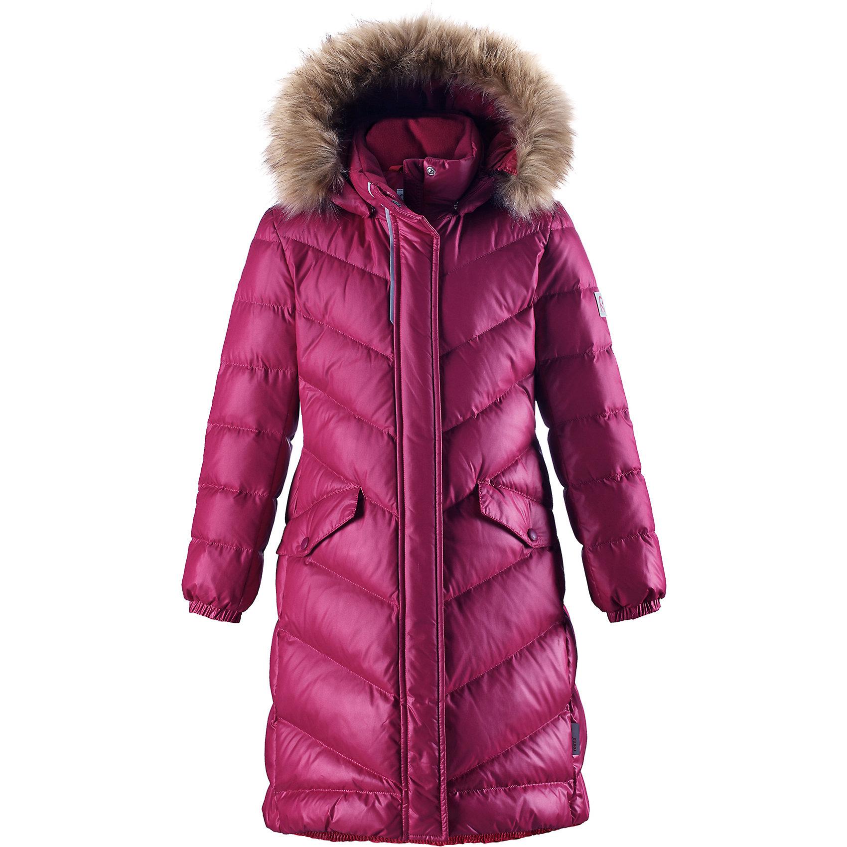 Куртка Reimatec® Reima Satu для девочкиВерхняя одежда<br>Характеристики товара:<br><br>• цвет: розовый;<br>• состав: 100% полиэстер;<br>• подкладка: 100% полиэстер;<br>• утеплитель: 60% пух, 40% перо;<br>• сезон: зима;<br>• температурный режим: от 0 до -30С;<br>• водонепроницаемость: 15000 мм;<br>• воздухопроницаемость: 7000 мм;<br>• износостойкость: 40000 циклов (тест Мартиндейла);<br>• водо- и ветронепроницаемый, дышащий и грязеотталкивающий материал;<br>• все швы проклеены и водонепроницаемы;<br>• застежка: молния с защитой подбородка;<br>• гладкая подкладка из полиэстера;<br>• безопасный съемный капюшон;<br>• съемный искусственный мех на капюшоне;<br>• эластичные манжеты;<br>• эластичная талия и подол;<br>• удлиненная модель;<br>• два кармана с кнопками;<br>• светоотражающие детали;<br>• страна бренда: Финляндия;<br>• страна изготовитель: Китай.<br><br>Превосходная, очень теплая зимняя куртка будет модно смотреться на прогулке по городу! У этой пуховой куртки для подростков очень красивый приталенный и удлиненный силуэт – специально для девочек. Куртка изготовлена из водоотталкивающего и дышащего, ветронепроницаемого материала, в ней вашей зимней принцессе будет тепло и уютно в морозный день. <br><br>Благодаря гладкому полиэстеру на подкладке, куртка легко надевается, а удобная двусторонняя молния превратит одевание в веселую игру. Эластичный поясок на спинке придает этой модной куртке красивый силуэт. Куртка снабжена безопасным съемным капюшоном со стильной съемной отделкой из искусственного меха. <br><br>Обратите внимание на удобную петельку, спрятанную в кармане с клапаном – к ней можно прикрепить любимый светоотражатель ребенка для обеспечения безопасности и лучшей видимости.<br><br>Куртку Satu для девочки Reimatec® Reima от финского бренда Reima (Рейма) можно купить в нашем интернет-магазине.<br><br>Ширина мм: 356<br>Глубина мм: 10<br>Высота мм: 245<br>Вес г: 519<br>Цвет: розовый<br>Возраст от месяцев: 48<br>Возраст до месяцев: 60<br>Пол: Женский<br>Возраст