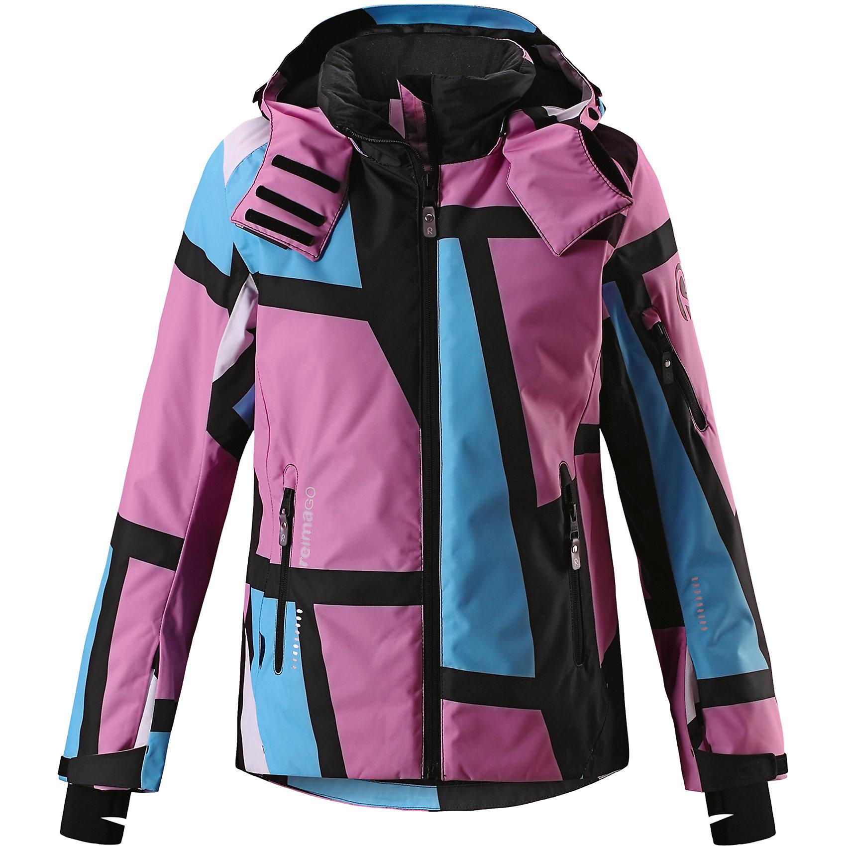 Куртка Reimatec® Reima Frost для девочкиОдежда<br>Характеристики товара:<br><br>• цвет: фиолетовый;<br>• состав: 100% полиэстер;<br>• подкладка: 100% полиэстер;<br>• утеплитель: 140 г/м2;<br>• сезон: зима;<br>• температурный режим: от 0 до -20С;<br>• водонепроницаемость: 15000 мм;<br>• воздухопроницаемость: 7000 мм;<br>• износостойкость: 35000 циклов (тест Мартиндейла);<br>• водо- и ветронепроницаемый, дышащий и грязеотталкивающий материал;<br>• все швы проклеены и водонепроницаемы;<br>• застежка: молния с защитой подбородка;<br>• гладкая подкладка из полиэстера;<br>• безопасный съемный и регулируемый капюшон;<br>• место соединения куртки с брюками скрыто снегозащитной манжетой;<br>• регулируемые манжеты и внутренние манжеты из лайкры;<br>• удлиненные манжеты;<br>• регулируемый подол, снегозащитный манжет на талии;<br>• карманы на молнии, карман для skipass на рукаве;<br>• карман для очков, внутренний нагрудный карман и петли для проводов наушников;<br>• карман с креплением для сенсора ReimaGO®;<br>• светоотражающие детали;<br>• страна бренда: Финляндия;<br>• страна изготовитель: Китай.<br><br>Полностью водо и ветронепроницаемая детская зимняя куртка из специального материала хорошо пропускает воздух и обладает водо и грязеотталкивающими свойствами. Все швы проклеены, водонепроницаемы. Благодаря удобным петелькам провод от наушников не запутается. Регулируемые манжеты помогут подобрать нужную ширину рукавов, а внутренние манжеты из лайкры обеспечат дополнительный комфорт. <br><br>Снежная юбка на талии защищает от попадания снега внутрь. Съемный регулируемый капюшон защищает от пронизывающего ветра и безопасен во время катания на лыжах. Практичные ветроотражатели по краю капюшона обеспечивают дополнительную защиту от холодного ветра. Куртка специально разработана для маленьких лыжников и любителей кататься на санках. <br><br>Она снабжена множеством продуманных функциональных деталей: карманом для лыжной карты на рукаве, двумя карманами на молнии, внутренним нагрудным