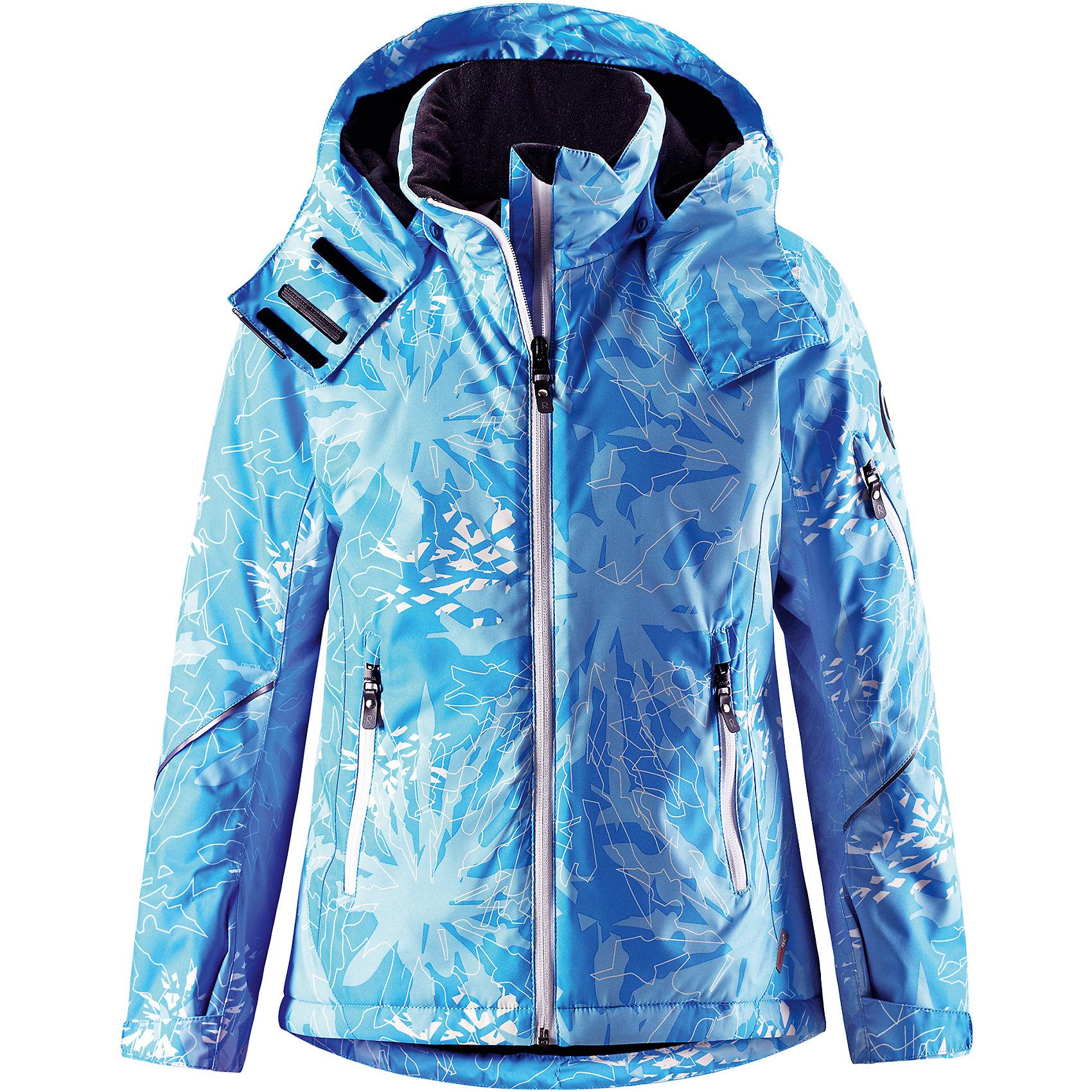 Куртка Reimatec® Reima Glow для девочкиВерхняя одежда<br>Характеристики товара:<br><br>• цвет: голубой;<br>• состав: 100% полиэстер;<br>• подкладка: 100% полиэстер;<br>• утеплитель: 140 г/м2;<br>• сезон: зима;<br>• температурный режим: от 0 до -20С;<br>• водонепроницаемость: 5000 мм;<br>• воздухопроницаемость: 7000 мм;<br>• износостойкость: 10000 циклов (тест Мартиндейла);<br>• водо- и ветронепроницаемый, дышащий и грязеотталкивающий материал;<br>• основные швы проклеены и водонепроницаемы;<br>• застежка: молния с защитой подбородка;<br>• гладкая подкладка из полиэстера;<br>• безопасный съемный и регулируемый капюшон;<br>• регулируемые манжеты и внутренние манжеты из лайкры;<br>• регулируемый подол, снегозащитный манжет на талии;<br>• карманы на молнии, карман для skipass на рукаве;<br>• карман для очков, внутренний нагрудный карман;<br>• светоотражающие детали;<br>• страна бренда: Финляндия;<br>• страна изготовитель: Китай.<br><br>Детская непромокаемая зимняя куртка Reimatec® изготовлена из водо и ветронепроницаемого, дышащего материала с высокими грязеотталкивающими характеристиками. Все основные швы в ней проклеены, водонепроницаемы. В этой модели для девочек подол легко регулируется, что позволяет подогнать куртку идеально по фигуре. <br><br>Съемный регулируемый капюшон защищает от пронизывающего ветра и безопасен во время катания на лыжах. Симпатичная гладкая подкладка и практичные ветроотражатели по краю капюшона обеспечивают дополнительную защиту от холодного ветра. <br><br>Эта куртка с множеством замечательных деталей просто создана для лыжных склонов: снежная юбка на талии, карман для лыжной карты на рукаве, два кармана на молнии, внутренний нагрудный карман и специальный карман для лыжных очков. От повседневного комфорта до экстремальных условий.<br><br>Куртку Glow для девочки Reimatec® Reima от финского бренда Reima (Рейма) можно купить в нашем интернет-магазине.<br><br>Ширина мм: 356<br>Глубина мм: 10<br>Высота мм: 245<br>Вес г: 519<br>Цвет: синий<br>Воз