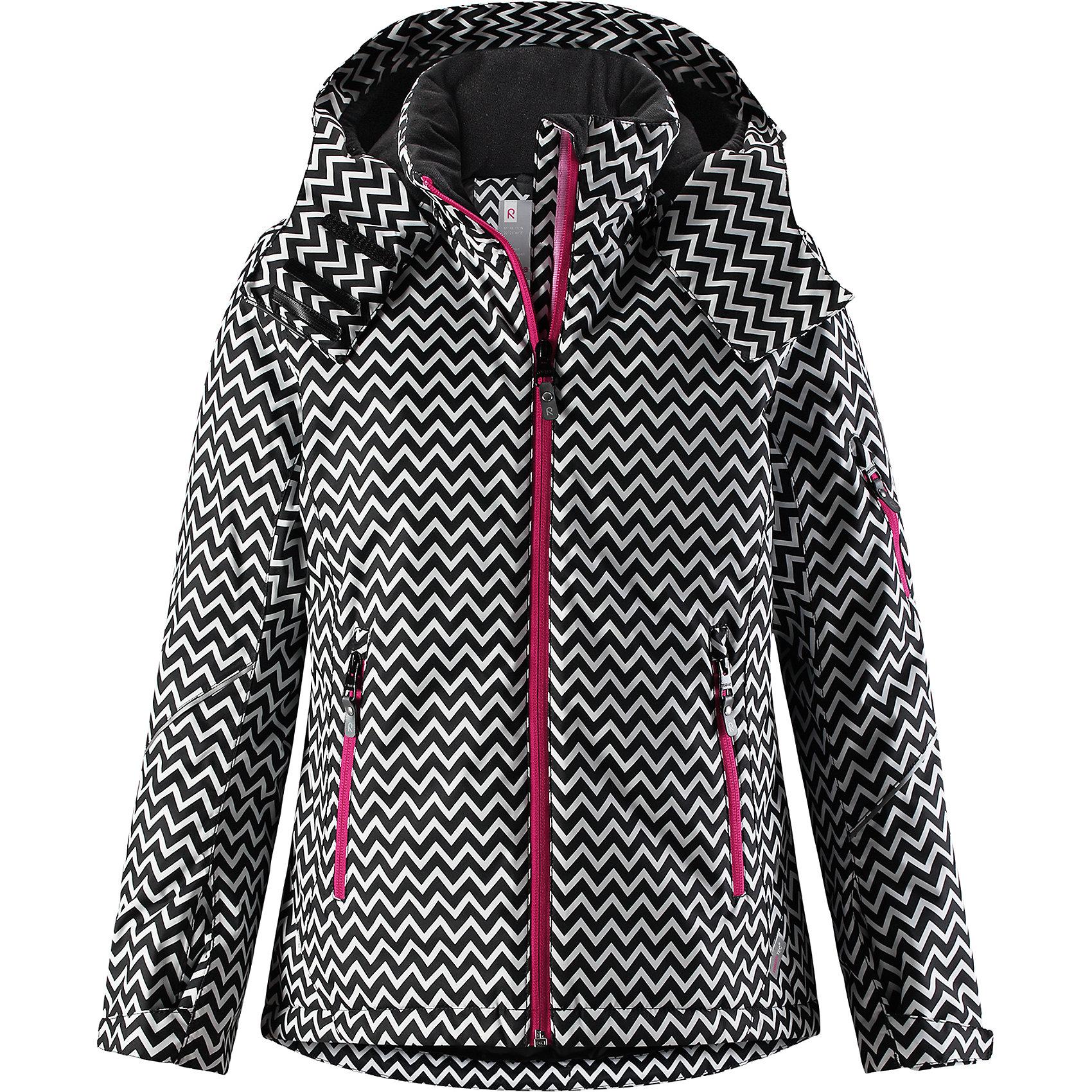 Куртка Reimatec® Reima Glow для девочкиВерхняя одежда<br>Характеристики товара:<br><br>• цвет: черный/белый;<br>• состав: 100% полиэстер;<br>• подкладка: 100% полиэстер;<br>• утеплитель: 140 г/м2;<br>• сезон: зима;<br>• температурный режим: от 0 до -20С;<br>• водонепроницаемость: 5000 мм;<br>• воздухопроницаемость: 7000 мм;<br>• износостойкость: 10000 циклов (тест Мартиндейла);<br>• водо- и ветронепроницаемый, дышащий и грязеотталкивающий материал;<br>• основные швы проклеены и водонепроницаемы;<br>• застежка: молния с защитой подбородка;<br>• гладкая подкладка из полиэстера;<br>• безопасный съемный и регулируемый капюшон;<br>• регулируемые манжеты и внутренние манжеты из лайкры;<br>• регулируемый подол, снегозащитный манжет на талии;<br>• карманы на молнии, карман для skipass на рукаве;<br>• карман для очков, внутренний нагрудный карман;<br>• светоотражающие детали;<br>• страна бренда: Финляндия;<br>• страна изготовитель: Китай.<br><br>Детская непромокаемая зимняя куртка Reimatec® изготовлена из водо и ветронепроницаемого, дышащего материала с высокими грязеотталкивающими характеристиками. Все основные швы в ней проклеены, водонепроницаемы. В этой модели для девочек подол легко регулируется, что позволяет подогнать куртку идеально по фигуре. <br><br>Съемный регулируемый капюшон защищает от пронизывающего ветра и безопасен во время катания на лыжах. Симпатичная гладкая подкладка и практичные ветроотражатели по краю капюшона обеспечивают дополнительную защиту от холодного ветра. <br><br>Эта куртка с множеством замечательных деталей просто создана для лыжных склонов: снежная юбка на талии, карман для лыжной карты на рукаве, два кармана на молнии, внутренний нагрудный карман и специальный карман для лыжных очков. От повседневного комфорта до экстремальных условий.<br><br>Куртку Glow для девочки Reimatec® Reima от финского бренда Reima (Рейма) можно купить в нашем интернет-магазине.<br><br>Ширина мм: 356<br>Глубина мм: 10<br>Высота мм: 245<br>Вес г: 519<br>Цвет: черный<