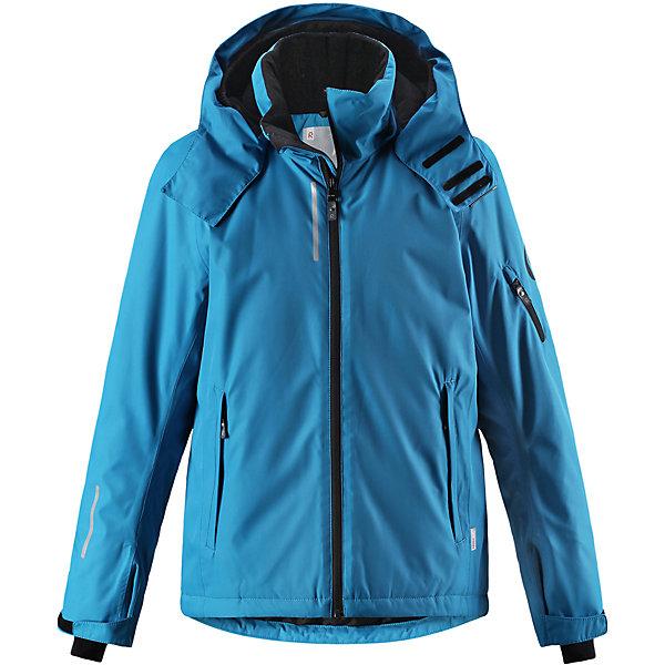 Куртка Reimatec® Reima Detour для мальчикаОдежда<br>Характеристики товара:<br><br>• цвет: голубой;<br>• состав: 100% полиэстер;<br>• подкладка: 100% полиэстер;<br>• утеплитель: 140 г/м2;<br>• сезон: зима;<br>• температурный режим: от 0 до -20С;<br>• водонепроницаемость: 5000 мм;<br>• воздухопроницаемость: 4000 мм;<br>• износостойкость: 15000 циклов (тест Мартиндейла);<br>• водо- и ветронепроницаемый, дышащий и грязеотталкивающий материал;<br>• основные швы проклеены и водонепроницаемы;<br>• застежка: молния с защитой подбородка;<br>• гладкая подкладка из полиэстера;<br>• безопасный съемный и регулируемый капюшон;<br>• регулируемые манжеты и внутренние манжеты из лайкры;<br>• регулируемый подол, снегозащитный манжет на талии;<br>• карманы на молнии, карман для skipass на рукаве;<br>• карман для очков, внутренний нагрудный карман;<br>• светоотражающие детали;<br>• страна бренда: Финляндия;<br>• страна изготовитель: Китай.<br><br>Детская непромокаемая зимняя куртка изготовлена из ветронепроницаемого, дышащего материала с верхним водо и грязеотталкивающим слоем. Основные швы в куртке проклеены и водонепроницаемы, поэтому никакой дождь не помешает веселым зимним играм на свежем воздухе! <br><br>Эта куртка с множеством функциональных деталей, идеально подходит для активного дня на свежем воздухе: регулируемый подол со снежной юбкой не пропустит внутрь влагу и снег, а регулируемые манжеты с внутренними манжетами из лайкры защищают запястья от холода. <br><br>Карман для лыжной карты на рукаве поможет быстро достать карточку в очереди на подъемник, а в кармане для очков и внутреннем нагрудном кармане можно носить лыжные очки. Съемный и регулируемый капюшон защищает от пронизывающего ветра, к тому же он абсолютно безопасен на лыжном склоне – легко отстегнется, если вдруг за что-нибудь зацепится. <br><br>Куртку Detour для мальчика Reimatec® Reima от финского бренда Reima (Рейма) можно купить в нашем интернет-магазине.<br>Ширина мм: 356; Глубина мм: 10; Высота мм: 245; Вес г: 5