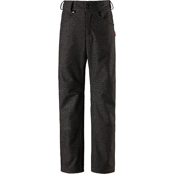 Брюки Reima Mighty для мальчикаФлис и термобелье<br>Характеристики товара:<br><br>• цвет: черный джинс;<br>• состав: 95% полиэстер, 5% эластан;<br>• подкладка: 100% полиэстер, флис;<br>• утеплитель: без дополнительного утепления;<br>• сезон: демисезон;<br>• температурный режим: от 0 до +10С;<br>• водонепроницаемость: 10000 мм;<br>• воздухопроницаемость: 5000 мм;<br>• водоотталкивающий, ветронепроницаемый и дышащий материал;<br>• из ветронепроницаемого материала, но изделие дышит;<br>• брюки из материала softshell для подростков;<br>• застежка: ширинка на молнии и пуговица;<br>• внутренняя регулировка обхвата талии;<br>• брюки на флисовой подкладке;<br>• два боковых кармана;<br>• потайной карман для датчика ReimaGO®;<br>• светоотражающие детали;<br>• страна бренда: Финляндия;<br>• страна изготовитель: Китай.<br><br>Дышащие и эластичные брюки softshell в джинсовом стиле для детей и подростков. Они сшиты из специального водоотталкивающего, ветронепроницаемого и дышащего материала. С изнаночной стороны подшиты мягким и приятным на ощупь флисом. Брюки регулируются на талии и снабжены боковыми карманами, а также специальным потайным карманом для сенсора ReimaGO®. Самые модные и удобные брюки для школы и отдыха!<br><br>Брюки Mighty Reima от финского бренда Reima (Рейма) можно купить в нашем интернет-магазине.<br><br>Ширина мм: 215<br>Глубина мм: 88<br>Высота мм: 191<br>Вес г: 336<br>Цвет: серый<br>Возраст от месяцев: 156<br>Возраст до месяцев: 168<br>Пол: Мужской<br>Возраст: Детский<br>Размер: 164,104,110,116,122,128,134,140,146,152,158<br>SKU: 6904203