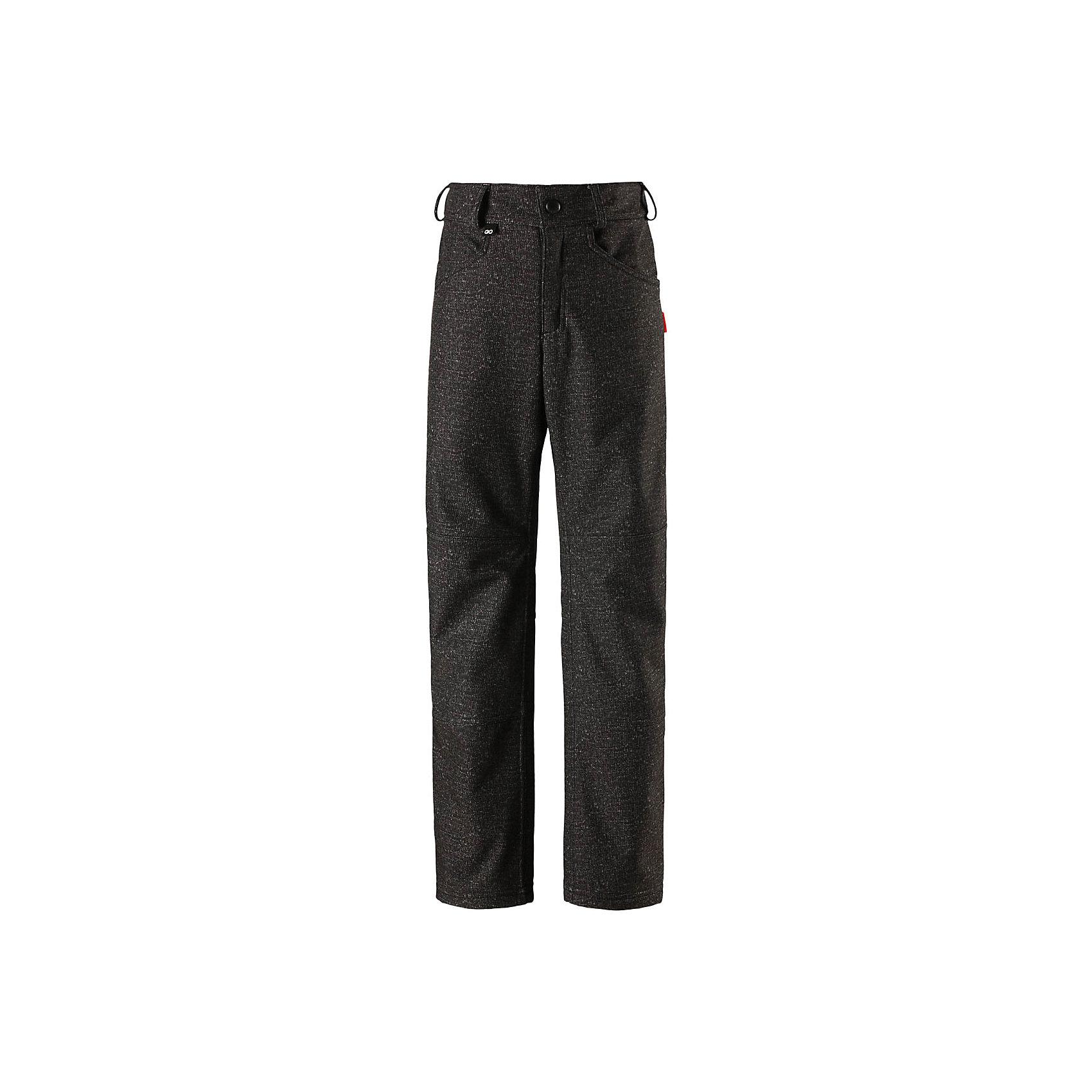 Брюки Reima MightyФлис и термобелье<br>Характеристики товара:<br><br>• цвет: черный джинс;<br>• состав: 95% полиэстер, 5% эластан;<br>• подкладка: 100% полиэстер, флис;<br>• утеплитель: без дополнительного утепления;<br>• сезон: демисезон;<br>• температурный режим: от 0 до +10С;<br>• водонепроницаемость: 10000 мм;<br>• воздухопроницаемость: 5000 мм;<br>• водоотталкивающий, ветронепроницаемый и дышащий материал;<br>• из ветронепроницаемого материала, но изделие дышит;<br>• брюки из материала softshell для подростков;<br>• застежка: ширинка на молнии и пуговица;<br>• внутренняя регулировка обхвата талии;<br>• брюки на флисовой подкладке;<br>• два боковых кармана;<br>• потайной карман для датчика ReimaGO®;<br>• светоотражающие детали;<br>• страна бренда: Финляндия;<br>• страна изготовитель: Китай.<br><br>Дышащие и эластичные брюки softshell в джинсовом стиле для детей и подростков. Они сшиты из специального водоотталкивающего, ветронепроницаемого и дышащего материала. С изнаночной стороны подшиты мягким и приятным на ощупь флисом. Брюки регулируются на талии и снабжены боковыми карманами, а также специальным потайным карманом для сенсора ReimaGO®. Самые модные и удобные брюки для школы и отдыха!<br><br>Брюки Mighty Reima от финского бренда Reima (Рейма) можно купить в нашем интернет-магазине.<br><br>Ширина мм: 215<br>Глубина мм: 88<br>Высота мм: 191<br>Вес г: 336<br>Цвет: серый<br>Возраст от месяцев: 36<br>Возраст до месяцев: 48<br>Пол: Унисекс<br>Возраст: Детский<br>Размер: 104,164,110,116,122,128,134,140,146,152,158<br>SKU: 6904203