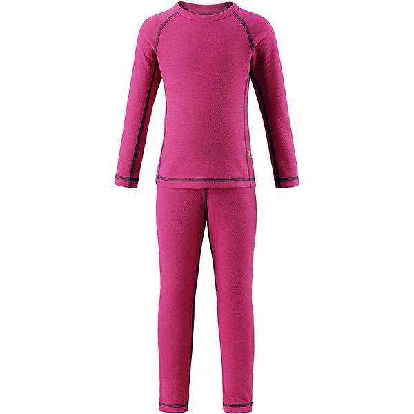 Комплект нижнего белья Reima Lani для девочкиОдежда<br>Характеристики товара:<br><br>• цвет: розовый;<br>• состав: 43% полиэстер termolite, 53% полиэстер, 4% полиэстер sorona; <br>• сезон: демисезон;<br>• теплый материал Thermolite® отводит влагу и сохраняет кожу сухой и приятной, создавая чувство комфорта;<br>• мягкие плоские швы для дополнительного комфорта: не раздражают кожу;<br>• эластичная талия;<br>• удлиненный подол сзади;<br>• страна бренда: Финляндия;<br>• страна изготовитель: Китай;<br><br>Благодаря практичному детскому базовому комплекту, Ваш ребенок может гулять и заниматься спортом в любую погоду. В этом комплекте ребенку будет сухо и тепло, ведь материал Thermolite®, из которого он сшит, эффективно отводит влагу от кожи в верхний слой одежды. Комплект очень удобный и приятный на ощупь, а тонкие плоские швы в замок не натирают кожу. Удлиненная спинка хорошо закрывает и дополнительно защищает поясницу, а лёгкая эластичная резинка на манжетах удобно облегает запястья. <br><br>Комплект нижнего белья Lani Reima (Рейма) можно купить в нашем интернет-магазине.<br>Ширина мм: 196; Глубина мм: 10; Высота мм: 154; Вес г: 152; Цвет: розовый; Возраст от месяцев: 15; Возраст до месяцев: 18; Пол: Женский; Возраст: Детский; Размер: 80,160,150,140,130,120,110,100,90; SKU: 6904530;