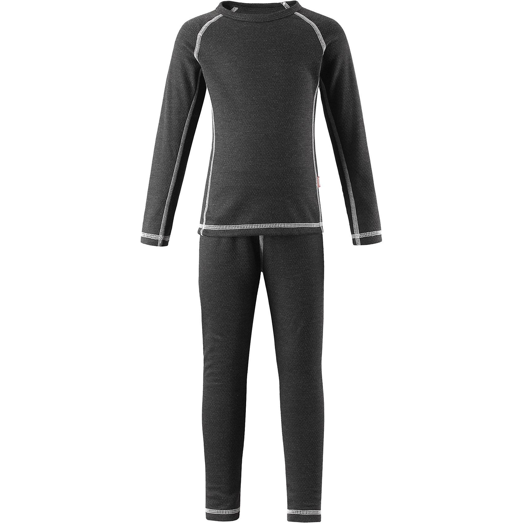 Комплект нижнего белья Lani ReimaФлис и термобелье<br>Благодаря практичному детскому базовому комплекту ваш ребенок может гулять и заниматься спортом в любую погоду. В этом комплекте ребенку будет сухо и тепло, ведь материал THERMOLITE®, из которого он сшит, эффективно отводит влагу от кожи в верхний слой одежды. Комплект очень удобный и приятный на ощупь, а тонкие плоские швы в замок не натирают кожу. Удлиненная спинка хорошо закрывает и дополнительно защищает поясницу, а лёгкая эластичная резинка на манжетах удобно облегает запястья. Создайте идеальное сочетание – наденьте комплект с теплым флисовым промежуточным слоем и функциональной верхней одеждой!<br>Состав:<br>43% Полиэстер THERMOLITE®, 53% Полиэстер, 4% Полиэстер Sorona<br><br>Ширина мм: 196<br>Глубина мм: 10<br>Высота мм: 154<br>Вес г: 152<br>Цвет: серый<br>Возраст от месяцев: 84<br>Возраст до месяцев: 96<br>Пол: Унисекс<br>Возраст: Детский<br>Размер: 160,80,90,100,110,120,130,140,150<br>SKU: 6904550