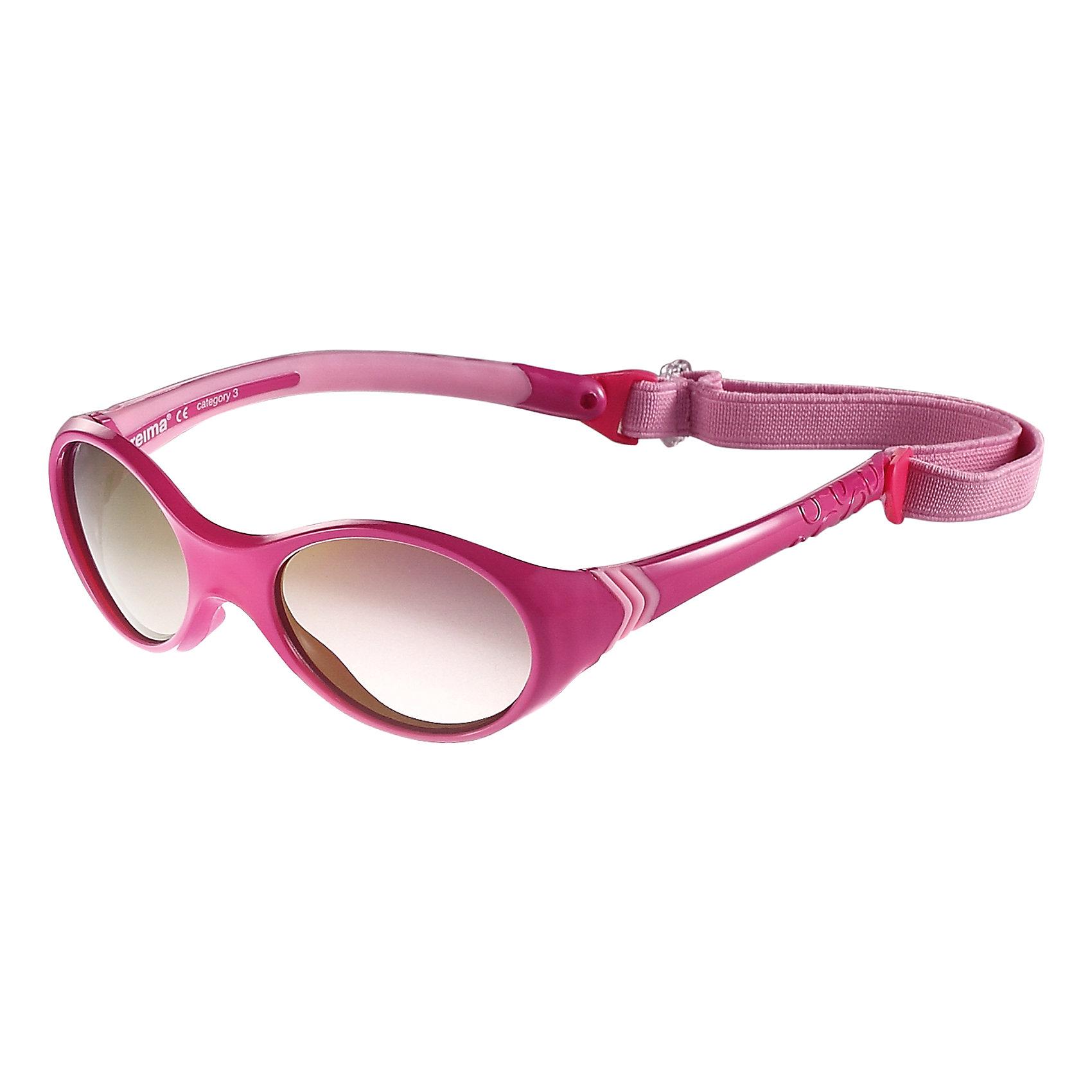 Солнцезащитные очки Reima MaininkiАксессуары<br>Характеристики товара:<br><br>• цвет: розовый;<br>• рекомендуется для детей возраста 2+;<br>• защита от ультрафиолетовых лучей спектра A и спектра B класса 5;<br>• зеркальные линзы, обработанные противотуманным покрытием;<br>• застежка: липучка сзади;<br>• мягкая и эластичная оправа из TPEE и резины;<br>• имеется защитный чехол;<br>• съемный эластичный кант;<br>• страна бренда: Финляндия;<br>• страна производства: Китай.<br><br>Солнцезащитные очки для малышей и детей постарше самый важный аксессуар летнего сезона! Нужно обязательно защищать маленькие глазки от вредного ультрафиолета. Линзы в этих очках обеспечивают комплексную защиту от УФА и УФВ лучей. <br>Очки сертифицированы по стандартам ЕС. Поставляются в комплекте с удобным чехлом. Рекомендованы для детей от 0 до 4 лет. Симпатичные очки ярких расцветок очень удобны в использовании благодаря съемной эластичной резинке.<br><br>Солнцезащитные очки Maininki Reima (Рейма) можно купить в нашем интернет-магазине.<br><br>Ширина мм: 170<br>Глубина мм: 157<br>Высота мм: 67<br>Вес г: 117<br>Цвет: розовый<br>Возраст от месяцев: 48<br>Возраст до месяцев: 168<br>Пол: Унисекс<br>Возраст: Детский<br>Размер: one size<br>SKU: 6905298