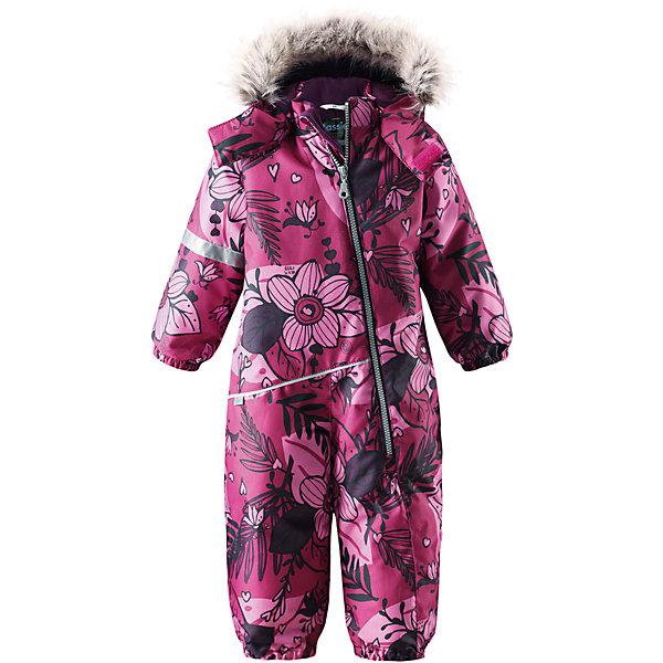 Комбинезон LassieВерхняя одежда<br>Характеристики товара:<br><br>• цвет: розовый;<br>• состав: 100% полиэстер, полиуретановое покрытие;<br>• подкладка: 100% полиэстер;<br>• утеплитель: 180 г/м2;<br>• сезон: зима;<br>• температурный режим: от 0 до -20С;<br>• водонепроницаемость: 1000 мм;<br>• воздухопроницаемость: 1000 мм;<br>• износостойкость: 50000 циклов (тест Мартиндейла)<br>• застежка: молния с защитой подбородка;<br>• водоотталкивающий, ветронепроницаемый и дышащий материал;<br>• сверхпрочный материал;<br>• гладкая подкладка из полиэстера;<br>• безопасный съемный капюшон;<br>• съемный искусственный мех на капюшоне;<br>• эластичные манжеты; <br>• эластичные штанины;<br>• съемные эластичные штрипки;<br>• светоотражающие детали;<br>• страна бренда: Финляндия;<br>• страна изготовитель: Китай;<br><br>Этот красивый комбинезон для малышей исполнен волшебного духа зимы, но при этом очень практичен. Длинная молния спереди облегчает надевание, а съемные штрипки не дают концам брючин задираться. Комбинезон изготовлен из прочного, ветронепроницаемого и дышащего материала с верхним водо- и грязеотталкивающим слоем, он обеспечивает полный комфорт во время веселых прогулок. Задний средний шов проклеен, водонепроницаем. Безопасный съемный капюшон со стильной оторочкой из искусственного меха оживляет зимний образ!<br><br><br>Комбинезон Lassie (Ласси) можно купить в нашем интернет-магазине.<br>Ширина мм: 356; Глубина мм: 10; Высота мм: 245; Вес г: 519; Цвет: розовый/натуральный; Возраст от месяцев: 6; Возраст до месяцев: 9; Пол: Женский; Возраст: Детский; Размер: 74,98,92,86,80; SKU: 6905364;