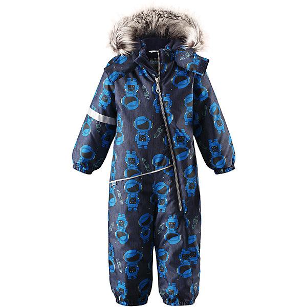 Комбинезон LassieОдежда<br>Характеристики товара:<br><br>• цвет: синий;<br>• состав: 100% полиэстер, полиуретановое покрытие;<br>• подкладка: 100% полиэстер;<br>• утеплитель: 180 г/м2;<br>• сезон: зима;<br>• температурный режим: от 0 до -20С;<br>• водонепроницаемость: 1000 мм;<br>• воздухопроницаемость: 1000 мм;<br>• износостойкость: 50000 циклов (тест Мартиндейла)<br>• застежка: молния с защитой подбородка;<br>• водоотталкивающий, ветронепроницаемый и дышащий материал;<br>• сверхпрочный материал;<br>• гладкая подкладка из полиэстера;<br>• безопасный съемный капюшон;<br>• съемный искусственный мех на капюшоне;<br>• эластичные манжеты; <br>• эластичные штанины;<br>• съемные эластичные штрипки;<br>• светоотражающие детали;<br>• страна бренда: Финляндия;<br>• страна изготовитель: Китай;<br><br>Этот красивый комбинезон для малышей исполнен волшебного духа зимы, но при этом очень практичен. Длинная молния спереди облегчает надевание, а съемные штрипки не дают концам брючин задираться. Комбинезон изготовлен из прочного, ветронепроницаемого и дышащего материала с верхним водо- и грязеотталкивающим слоем, он обеспечивает полный комфорт во время веселых прогулок. Задний средний шов проклеен, водонепроницаем. Безопасный съемный капюшон со стильной оторочкой из искусственного меха оживляет зимний образ!<br><br><br>Комбинезон Lassie (Ласси) можно купить в нашем интернет-магазине.<br><br>Ширина мм: 356<br>Глубина мм: 10<br>Высота мм: 245<br>Вес г: 519<br>Цвет: темно-синий<br>Возраст от месяцев: 18<br>Возраст до месяцев: 24<br>Пол: Мужской<br>Возраст: Детский<br>Размер: 92,98,86,80,74<br>SKU: 6905376