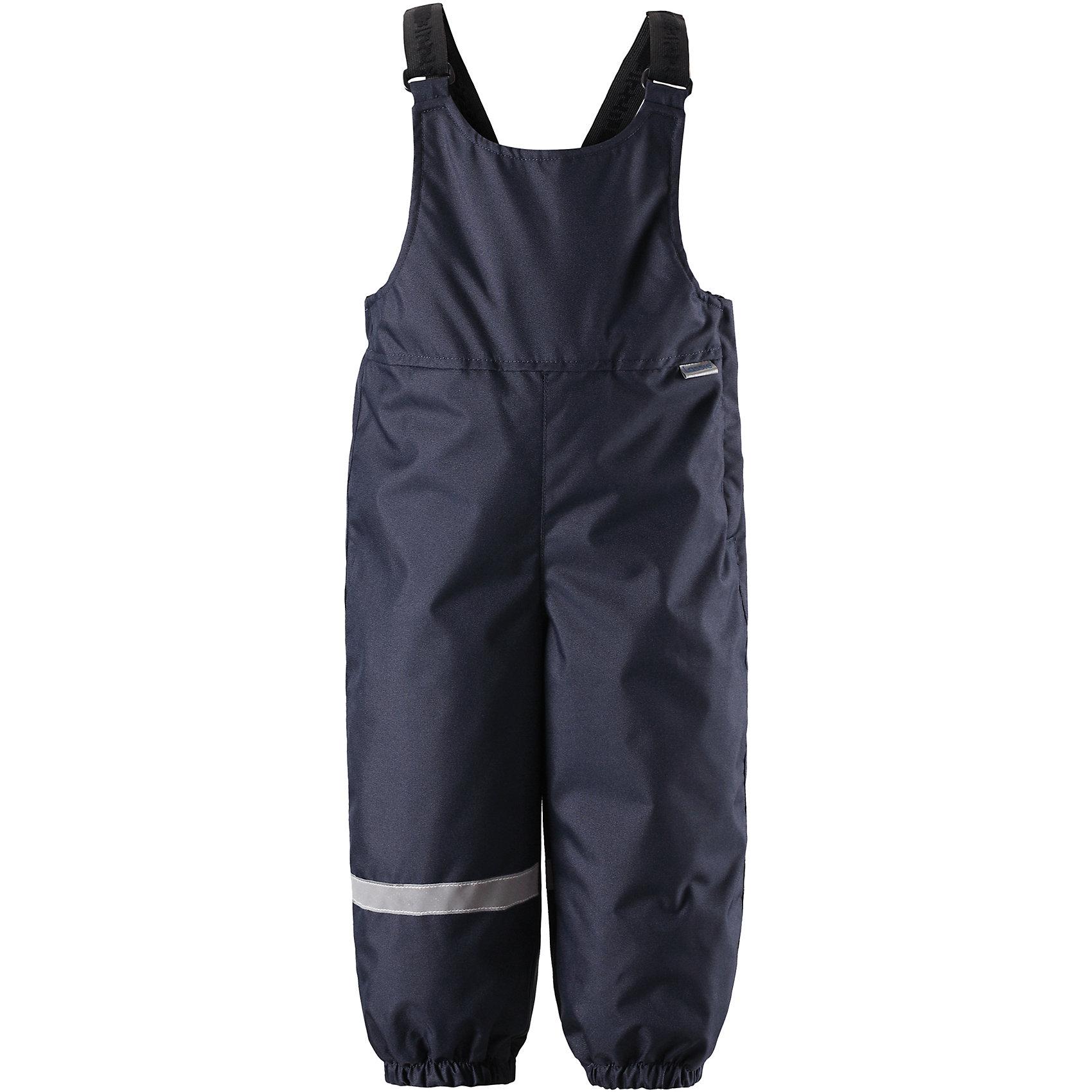 Брюки LassieОдежда<br>Теплые зимние брюки для малышей с регулируемыми подтяжками и съемными штрипками очень удобно сидят. Молния сбоку облегчает надевание, а флисовая подкладка на седалище обеспечивает дополнительное утепление. То, что нужно маленьким искателям зимних приключений!<br>Состав:<br>100% Полиэстер<br><br>Ширина мм: 215<br>Глубина мм: 88<br>Высота мм: 191<br>Вес г: 336<br>Цвет: синий<br>Возраст от месяцев: 24<br>Возраст до месяцев: 36<br>Пол: Унисекс<br>Возраст: Детский<br>Размер: 98,74,80,86,92<br>SKU: 6905394