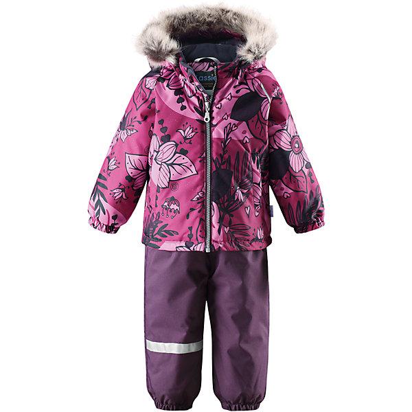 Комплект LassieОдежда<br>Характеристики товара:<br><br>• цвет: розовый/фиолетовый;<br>• состав: 100% полиэстер, полиуретановое покрытие;<br>• подкладка: 100% полиэстер;<br>• утеплитель: куртка 180 г/м2, брюки 140 г/м2;<br>• сезон: зима;<br>• температурный режим: от 0 до -20С;<br>• водонепроницаемость: 1000 мм;<br>• воздухопроницаемость: 1000 мм;<br>• износостойкость: 50000 циклов (тест Мартиндейла)<br>• застежка: молния с защитой подбородка, молния сбоку у брюк;<br>• водоотталкивающий, ветронепроницаемый и дышащий материал;<br>• сверхпрочный материал;<br>• задний серединный шов брюк проклеен;<br>• гладкая подкладка из полиэстера;<br>• безопасный съемный капюшон;<br>• съемный искусственный мех на капюшоне;<br>• эластичные манжеты;<br>• регулируемый подол;<br>• эластичные штанины;<br>• съемные эластичные штрипки;<br>• два прорезных кармана;<br>• регулируемые эластичные подтяжки;<br>• светоотражающие детали;<br>• страна бренда: Финляндия;<br>• страна изготовитель: Китай;<br><br>Этот красивый зимний комплект для малышей исполнен волшебного духа зимы, а еще он очень практичный! Комплект изготовлен из прочного, ветронепроницаемого и дышащего материала с верхним водо- и грязеотталкивающим слоем, он обеспечивает полный комфорт во время веселых прогулок. Безопасный съемный капюшон украшает стильная оторочка из искусственного меха, а регулируемый подол позволяет откорректировать куртку идеально по фигуре. Обратите внимание на удобные съемные штрипки, за счет которых брюки не будут задираться, и съемные регулируемые подтяжки – брюки не будут спадать, как ни бегай!<br><br>Комплект Lassie (Ласси) можно купить в нашем интернет-магазине.<br>Ширина мм: 356; Глубина мм: 10; Высота мм: 245; Вес г: 519; Цвет: розовый; Возраст от месяцев: 6; Возраст до месяцев: 9; Пол: Женский; Возраст: Детский; Размер: 74,98,92,86,80; SKU: 6905422;
