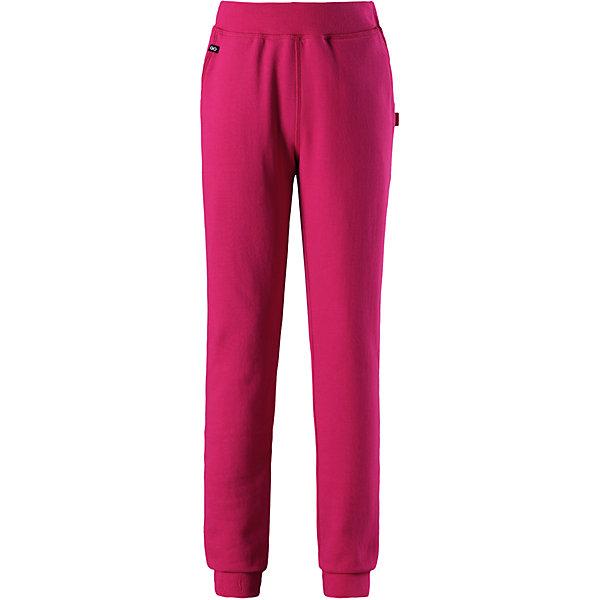 Брюки Reima Dawn для девочкиБрюки<br>Характеристики товара:<br><br>• цвет: розовый;<br>• состав: 75% хлопок, 25% полиэстер; <br>• сезон: демисезон;<br>• мягкий материал с начесом;<br>• регулируемый пояс со шнурком;<br>• резинка на талии и штанинах;<br>• боковые карманы;<br>• потайной карман для датчика ReimaGO®;<br>• страна бренда: Финляндия;<br>• страна изготовитель: Китай;<br><br>Суперудобные брюки для детей и подростков, украшенные декоративной отделкой горячим тиснением. Дышащий материал college отводит влагу, а мягкая и приятная изнанка из футера с начесом обеспечивает комфорт. Благодаря резинке на талии и концах брючин, эти брюки хорошо сидят по фигуре. Снабжены двумя передними карманами и отдельным карманом для сенсора ReimaGO®.<br><br>Брюки Dawn для девочки Reima (Рейма) можно купить в нашем интернет-магазине.<br><br>Ширина мм: 215<br>Глубина мм: 88<br>Высота мм: 191<br>Вес г: 336<br>Цвет: розовый<br>Возраст от месяцев: 18<br>Возраст до месяцев: 24<br>Пол: Женский<br>Возраст: Детский<br>Размер: 92,164,158,152,146,140,134,128,122,116,110,104,98<br>SKU: 6905919