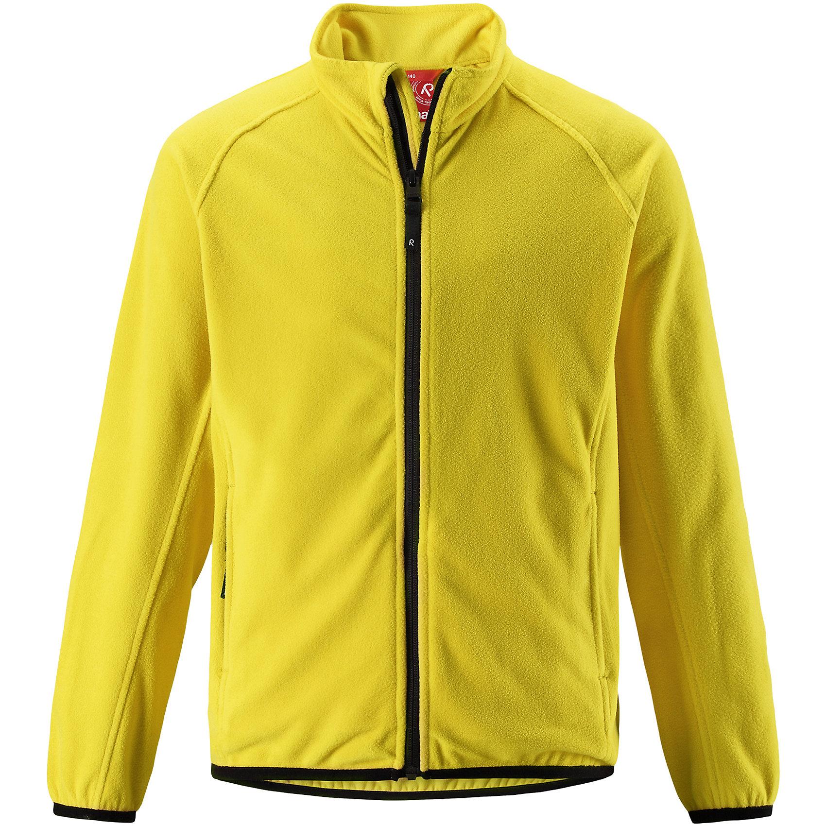 Флисовая кофта Reima Riddle для мальчикаФлис и термобелье<br>Характеристики товара:<br><br>• цвет: желтый;<br>• состав: 100% полиэстер; <br>• сезон: демисезон;<br>• выводит влагу в верхние слои одежды;<br>• теплый, легкий и быстросохнущий флис;<br>• эластичные манжеты и подол;<br>• молния по всей длине с защитой подбородка;<br>• два кармана на молнии;<br>• страна бренда: Финляндия;<br>• страна изготовитель: Китай;<br><br>Эта детская флисовая куртка сшита из необыкновенно легкого и теплого микрофлиса. Материал идеально подходит для зимних активных забав, поскольку эффективно выводит влагу от кожи в верхние слои одежды и быстро сохнет. Дышащий материал не парит, сколько ни бегай. Защита для подбородка на молнии обеспечивает дополнительный комфорт и не дает поцарапаться об зубчики. Куртка украшена горячим тиснением и снабжена двумя карманами на молнии, а также эластичным подолом и манжетами.<br><br>Флисовую кофту Reima Riddle для мальчика (Рейма) можно купить в нашем интернет-магазине.<br><br>Ширина мм: 190<br>Глубина мм: 74<br>Высота мм: 229<br>Вес г: 236<br>Цвет: желтый<br>Возраст от месяцев: 96<br>Возраст до месяцев: 108<br>Пол: Мужской<br>Возраст: Детский<br>Размер: 134,140,146,152,158,164,104,110,116,122,128<br>SKU: 6906317