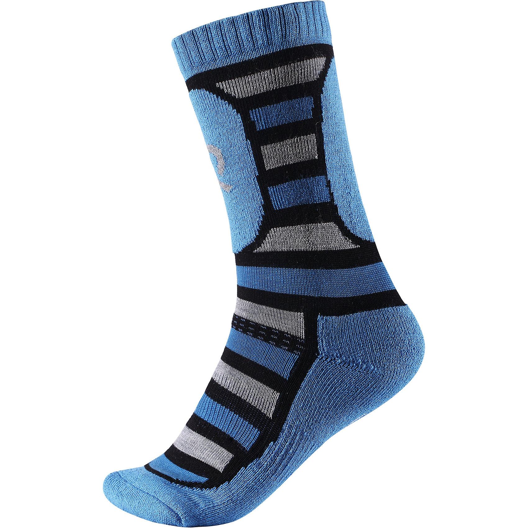 Носки Reima Stork ThermoliteНоски<br>Характеристики товара:<br><br>• цвет: синий;<br>• состав: 40% шерсть, 36% полиэстер thermolite, 10% полиамид, 12% полиэстер, 2% эластан; <br>• сезон: зима;<br>• мягкий и теплый материал с внутренней стороны для максимального комфорта;<br>• усиленные накладки на ступнях, лодыжках и больших пальцах;<br>• быстро сохнут и сохраняют тепло;<br>• материал Thermolite для интенсивной физической активности;<br>• страна бренда: Финляндия;<br>• страна изготовитель: Китай;<br><br>Носки из шерсти Thermolite® для детей и подростков готовы к действию! Смесь шерсти и материала Thermolite® в холодную погоду гарантирует максимальный комфорт и тепло. Мериносовая шерсть согреет ножки, а Thermolite® отлично подходит для интенсивных физических нагрузок. Изнанка с мягким эластичным ворсом очень приятна на ощупь. Усиления на стопе, пятке и носке.<br><br>Носки Stork Thermolite Reima (Рейма) можно купить в нашем интернет-магазине.<br><br>Ширина мм: 87<br>Глубина мм: 10<br>Высота мм: 105<br>Вес г: 115<br>Цвет: синий<br>Возраст от месяцев: 168<br>Возраст до месяцев: 1188<br>Пол: Унисекс<br>Возраст: Детский<br>Размер: 38-41,30-33,34-37<br>SKU: 6906564