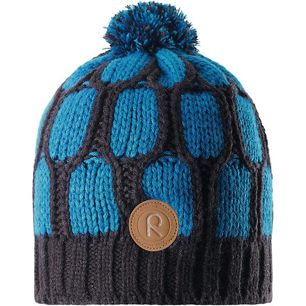 Шапка Reima Lakka для мальчикаШапки и шарфы<br>Характеристики товара:<br><br>• цвет: синий;<br>• состав: 100% полиакрил;<br>• подкладка: 100% полиэстер, флис;<br>• утеплитель: без дополнительного утепления;<br>• сезон: зима;<br>• температурный режим: от 0 до -20С;<br>• особенности: вязаная, с помпоном;<br>• теплый, толстый, качественный трикотаж;<br>• ветронепроницаемые вставки в области ушей;<br>• сплошная подкладка: мягкий теплый флис;<br>• светоотражающие детали;<br>• страна бренда: Финляндия;<br>• страна изготовитель: Китай.<br><br>Детская шапка связана из теплой, плотной, высококачественной пряжи. Ветронепроницаемые вставки и подкладка из мягкого и дышащего флиса. Оригинальный структурный узор и большой помпон на макушке дополняют образ.<br><br>Шапку Lakka Reima от финского бренда Reima (Рейма) можно купить в нашем интернет-магазине.<br><br>Ширина мм: 89<br>Глубина мм: 117<br>Высота мм: 44<br>Вес г: 155<br>Цвет: синий<br>Возраст от месяцев: 60<br>Возраст до месяцев: 72<br>Пол: Мужской<br>Возраст: Детский<br>Размер: 52,56,54<br>SKU: 6906620