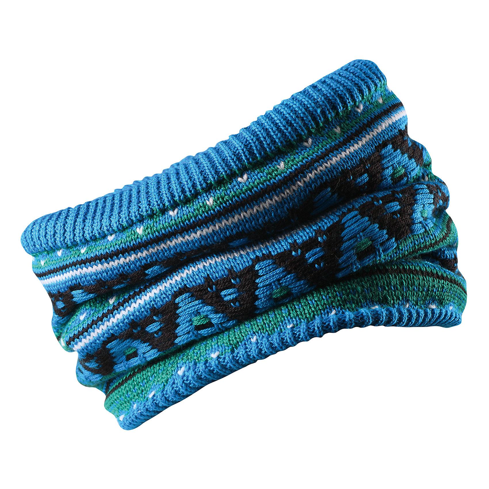 Шарф-хомут Reima SeedsШапки и шарфы<br>Характеристики товара:<br><br>• цвет: голубой;<br>• состав: 50% шерсть, 50% полиакрил; <br>• подкладка: 100% полиэстер, флис;<br>• сезон: зима;<br>• шерсть идеально поддерживает температуру;<br>• мягкая и теплая ткань из смеси шерсти;<br>• сплошная подкладка: мягкий теплый флис;<br>• страна бренда: Финляндия;<br>• страна изготовитель: Китай;<br><br>Детская горловина, или шарф-хомут, очень удобна – просто наденьте ее на шею, и прогулка будет теплой и приятной. Шерсть – превосходный терморегулятор, а нежный флис делает подкладку очень мягкой и приятной на ощупь. Этот универсальный шарф можно надевать на голову как повязку для защиты волос и ушей или даже носить как шапку. Сплошная жаккардовая узорная вязка придаст изюминку вашему образу.<br><br>Шарф-хомут Reima Huuhkain (Рейма) можно купить в нашем интернет-магазине.<br><br>Ширина мм: 88<br>Глубина мм: 155<br>Высота мм: 26<br>Вес г: 106<br>Цвет: синий<br>Возраст от месяцев: 72<br>Возраст до месяцев: 84<br>Пол: Унисекс<br>Возраст: Детский<br>Размер: 54/56,50/52<br>SKU: 6906670