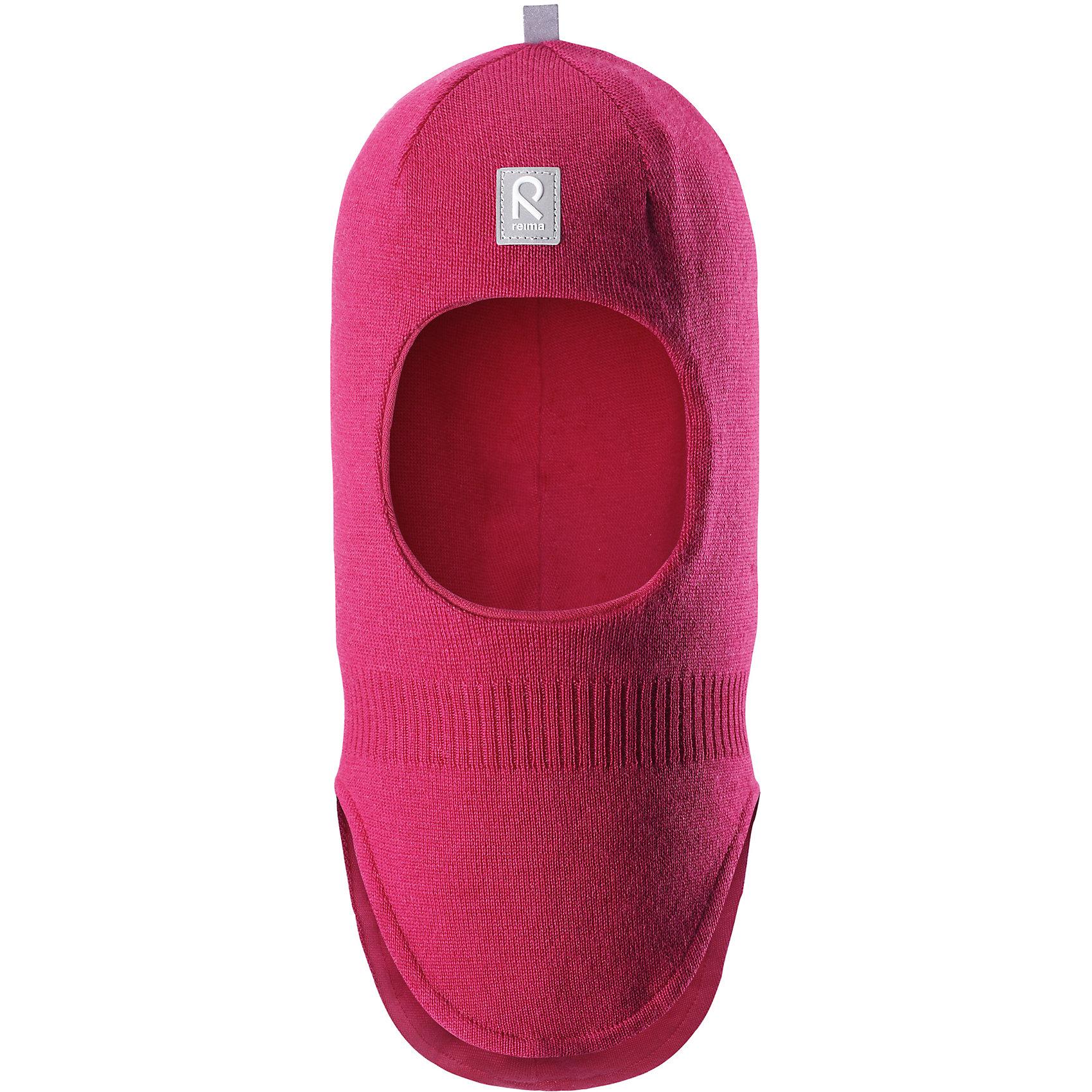Шапка-шлем Reima StarrieГоловные уборы<br>Характеристики товара:<br><br>• цвет: фуксия;<br>• состав: 100% шерсть;<br>• подкладка: 97% хлопок, 3% эластан<br>• температурный режим: от 0 до -20С;<br>• сезон: зима; <br>• особенности модели: вязаная, на подкладке;<br>• мягкая ткань из мериносовой шерсти для поддержания идеальной температуры тела;<br>• сплошная подкладка: хлопковый трикотаж с эластаном;<br>• ветронепроницаемые вставки в области ушей;<br>• светоотражающая эмблема;<br>• логотип Reima спереди;<br>• страна бренда: Финляндия;<br>• страна изготовитель: Китай.<br><br>Вязаная шапка-шлем из коллекции Reima® Originals защищает голову малыша в холодную пору. Эта шапка-шлем для малышей и детей постарше связана из теплой шерсти и подшита мягкой на ощупь подкладкой из смеси хлопка и эластана, которая удобно облегает голову.<br><br>Ветронепроницаемые вставки в области ушей, вшитые между подкладкой и верхним слоем, защищают ушки от холодного ветра. Эта классическая модель хорошо закрывает лоб, щечки и шею. <br><br>Шапка-шлем Reima Starrie от финского бренда Reima (Рейма) можно купить в нашем интернет-магазине.<br><br>Ширина мм: 89<br>Глубина мм: 117<br>Высота мм: 44<br>Вес г: 155<br>Цвет: розовый<br>Возраст от месяцев: 72<br>Возраст до месяцев: 84<br>Пол: Унисекс<br>Возраст: Детский<br>Размер: 54,50,52,46,48<br>SKU: 6906958