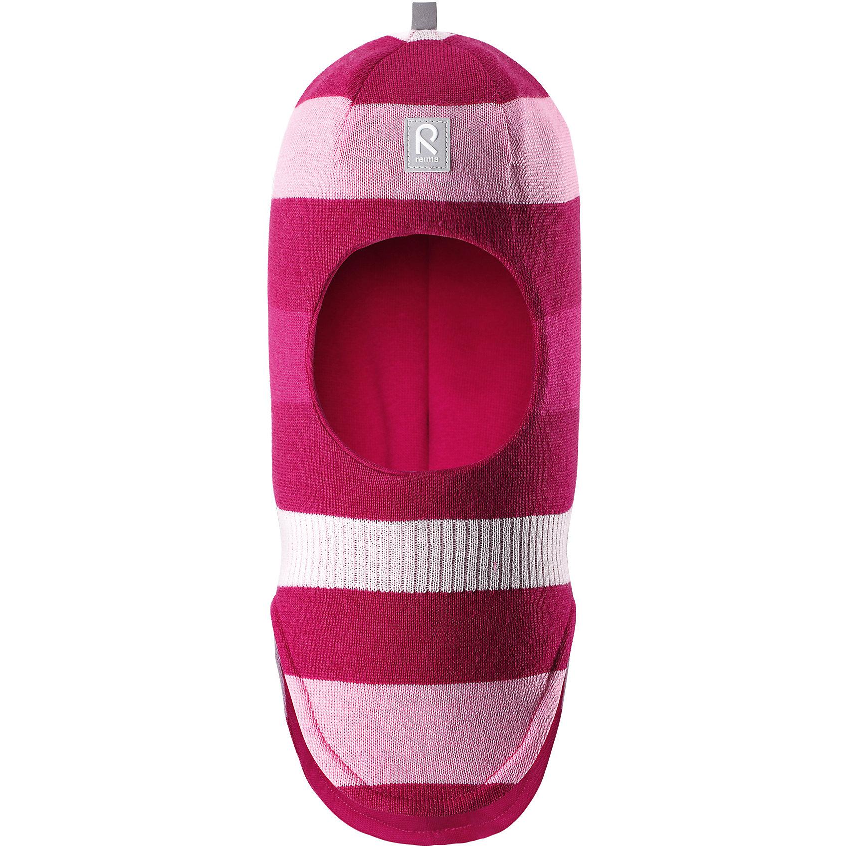 Шапка-шлем Reima StarrieГоловные уборы<br>Характеристики товара:<br><br>• цвет: фуксия/розовый;<br>• состав: 100% шерсть;<br>• подкладка: 97% хлопок, 3% эластан<br>• температурный режим: от 0 до -20С;<br>• сезон: зима; <br>• особенности модели: вязаная, на подкладке;<br>• мягкая ткань из мериносовой шерсти для поддержания идеальной температуры тела;<br>• сплошная подкладка: хлопковый трикотаж с эластаном;<br>• ветронепроницаемые вставки в области ушей;<br>• светоотражающая эмблема;<br>• логотип Reima спереди;<br>• страна бренда: Финляндия;<br>• страна изготовитель: Китай.<br><br>Вязаная шапка-шлем в полоску из коллекции Reima® Originals защищает голову малыша в холодную пору. Эта шапка-шлем для малышей и детей постарше связана из теплой шерсти и подшита мягкой на ощупь подкладкой из смеси хлопка и эластана, которая удобно облегает голову.<br><br>Ветронепроницаемые вставки в области ушей, вшитые между подкладкой и верхним слоем, защищают ушки от холодного ветра. Эта классическая модель хорошо закрывает лоб, щечки и шею. <br><br>Шапка-шлем Reima Starrie от финского бренда Reima (Рейма) можно купить в нашем интернет-магазине.<br><br>Ширина мм: 89<br>Глубина мм: 117<br>Высота мм: 44<br>Вес г: 155<br>Цвет: розовый<br>Возраст от месяцев: 72<br>Возраст до месяцев: 84<br>Пол: Унисекс<br>Возраст: Детский<br>Размер: 54,46,48,50,52<br>SKU: 6906964