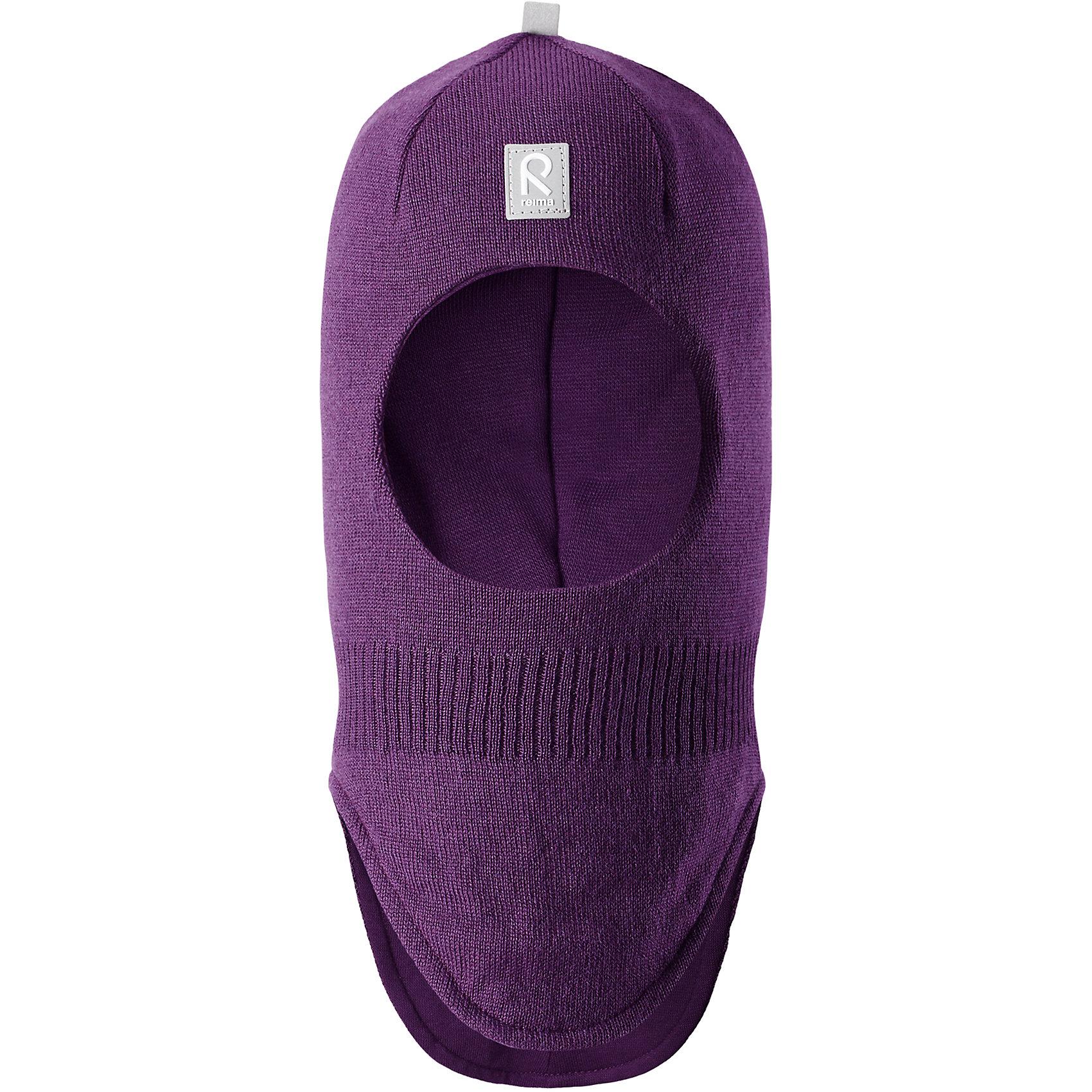 Шапка-шлем Reima StarrieГоловные уборы<br>Характеристики товара:<br><br>• цвет: фиолетовый;<br>• состав: 100% шерсть;<br>• подкладка: 97% хлопок, 3% эластан<br>• температурный режим: от 0 до -20С;<br>• сезон: зима; <br>• особенности модели: вязаная, на подкладке;<br>• мягкая ткань из мериносовой шерсти для поддержания идеальной температуры тела;<br>• сплошная подкладка: хлопковый трикотаж с эластаном;<br>• ветронепроницаемые вставки в области ушей;<br>• светоотражающая эмблема;<br>• логотип Reima спереди;<br>• страна бренда: Финляндия;<br>• страна изготовитель: Китай.<br><br>Вязаная шапка-шлем из коллекции Reima® Originals защищает голову малыша в холодную пору. Эта шапка-шлем для малышей и детей постарше связана из теплой шерсти и подшита мягкой на ощупь подкладкой из смеси хлопка и эластана, которая удобно облегает голову.<br><br>Ветронепроницаемые вставки в области ушей, вшитые между подкладкой и верхним слоем, защищают ушки от холодного ветра. Эта классическая модель хорошо закрывает лоб, щечки и шею. <br><br>Шапка-шлем Reima Starrie от финского бренда Reima (Рейма) можно купить в нашем интернет-магазине.<br><br>Ширина мм: 89<br>Глубина мм: 117<br>Высота мм: 44<br>Вес г: 155<br>Цвет: лиловый<br>Возраст от месяцев: 9<br>Возраст до месяцев: 12<br>Пол: Унисекс<br>Возраст: Детский<br>Размер: 46,54,48,50,52<br>SKU: 6906982