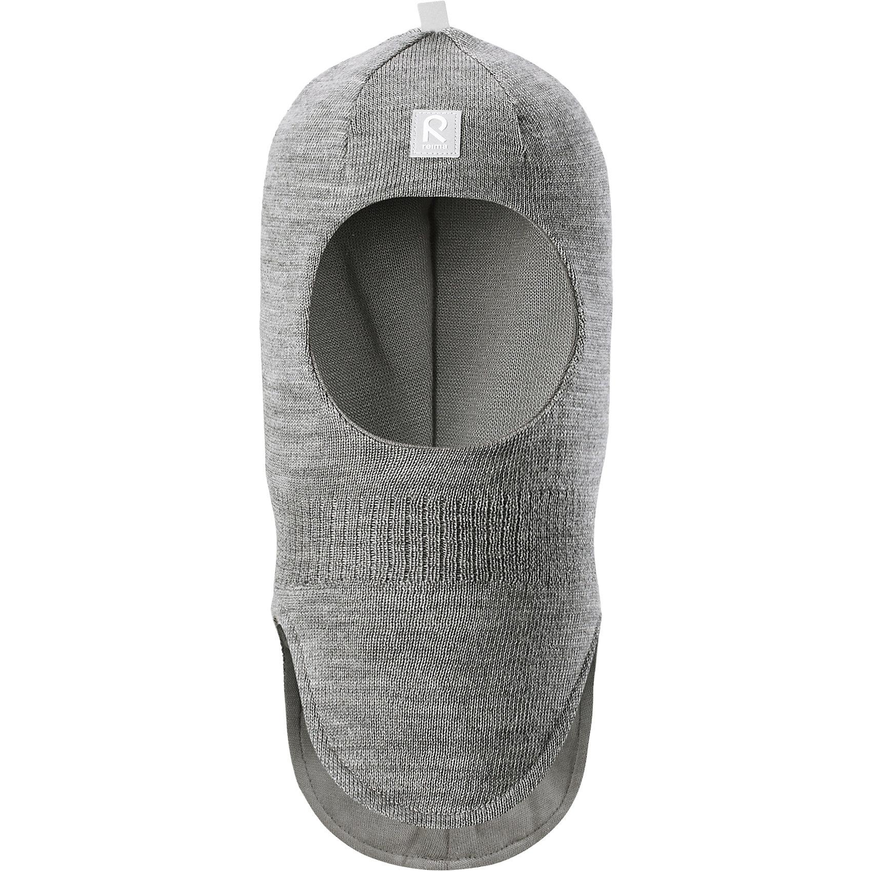Шапка-шлем Reima StarrieГоловные уборы<br>Характеристики товара:<br><br>• цвет: серый;<br>• состав: 100% шерсть;<br>• подкладка: 97% хлопок, 3% эластан<br>• температурный режим: от 0 до -20С;<br>• сезон: зима; <br>• особенности модели: вязаная, на подкладке;<br>• мягкая ткань из мериносовой шерсти для поддержания идеальной температуры тела;<br>• сплошная подкладка: хлопковый трикотаж с эластаном;<br>• ветронепроницаемые вставки в области ушей;<br>• светоотражающая эмблема;<br>• логотип Reima спереди;<br>• страна бренда: Финляндия;<br>• страна изготовитель: Китай.<br><br>Вязаная шапка-шлем из коллекции Reima® Originals защищает голову малыша в холодную пору. Эта шапка-шлем для малышей и детей постарше связана из теплой шерсти и подшита мягкой на ощупь подкладкой из смеси хлопка и эластана, которая удобно облегает голову.<br><br>Ветронепроницаемые вставки в области ушей, вшитые между подкладкой и верхним слоем, защищают ушки от холодного ветра. Эта классическая модель хорошо закрывает лоб, щечки и шею. <br><br>Шапка-шлем Reima Starrie от финского бренда Reima (Рейма) можно купить в нашем интернет-магазине.<br><br>Ширина мм: 89<br>Глубина мм: 117<br>Высота мм: 44<br>Вес г: 155<br>Цвет: серый<br>Возраст от месяцев: 9<br>Возраст до месяцев: 12<br>Пол: Унисекс<br>Возраст: Детский<br>Размер: 46,54,48,50,52<br>SKU: 6907006
