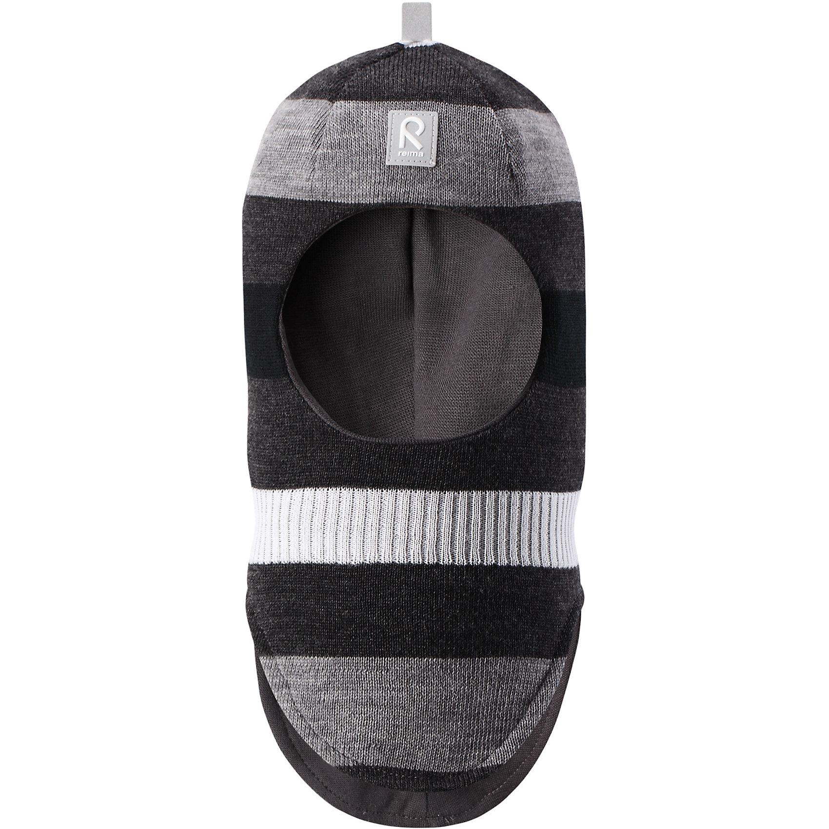 Шапка-шлем Reima StarrieГоловные уборы<br>Характеристики товара:<br><br>• цвет: черный/серый;<br>• состав: 100% шерсть;<br>• подкладка: 97% хлопок, 3% эластан<br>• температурный режим: от 0 до -20С;<br>• сезон: зима; <br>• особенности модели: вязаная, на подкладке;<br>• мягкая ткань из мериносовой шерсти для поддержания идеальной температуры тела;<br>• сплошная подкладка: хлопковый трикотаж с эластаном;<br>• ветронепроницаемые вставки в области ушей;<br>• светоотражающая эмблема;<br>• логотип Reima спереди;<br>• страна бренда: Финляндия;<br>• страна изготовитель: Китай.<br><br>Вязаная шапка-шлем в полоску из коллекции Reima® Originals защищает голову малыша в холодную пору. Эта шапка-шлем для малышей и детей постарше связана из теплой шерсти и подшита мягкой на ощупь подкладкой из смеси хлопка и эластана, которая удобно облегает голову.<br><br>Ветронепроницаемые вставки в области ушей, вшитые между подкладкой и верхним слоем, защищают ушки от холодного ветра. Эта классическая модель хорошо закрывает лоб, щечки и шею. <br><br>Шапка-шлем Reima Starrie от финского бренда Reima (Рейма) можно купить в нашем интернет-магазине.<br><br>Ширина мм: 89<br>Глубина мм: 117<br>Высота мм: 44<br>Вес г: 155<br>Цвет: синий<br>Возраст от месяцев: 9<br>Возраст до месяцев: 12<br>Пол: Унисекс<br>Возраст: Детский<br>Размер: 46,54,52,50,48<br>SKU: 6907012