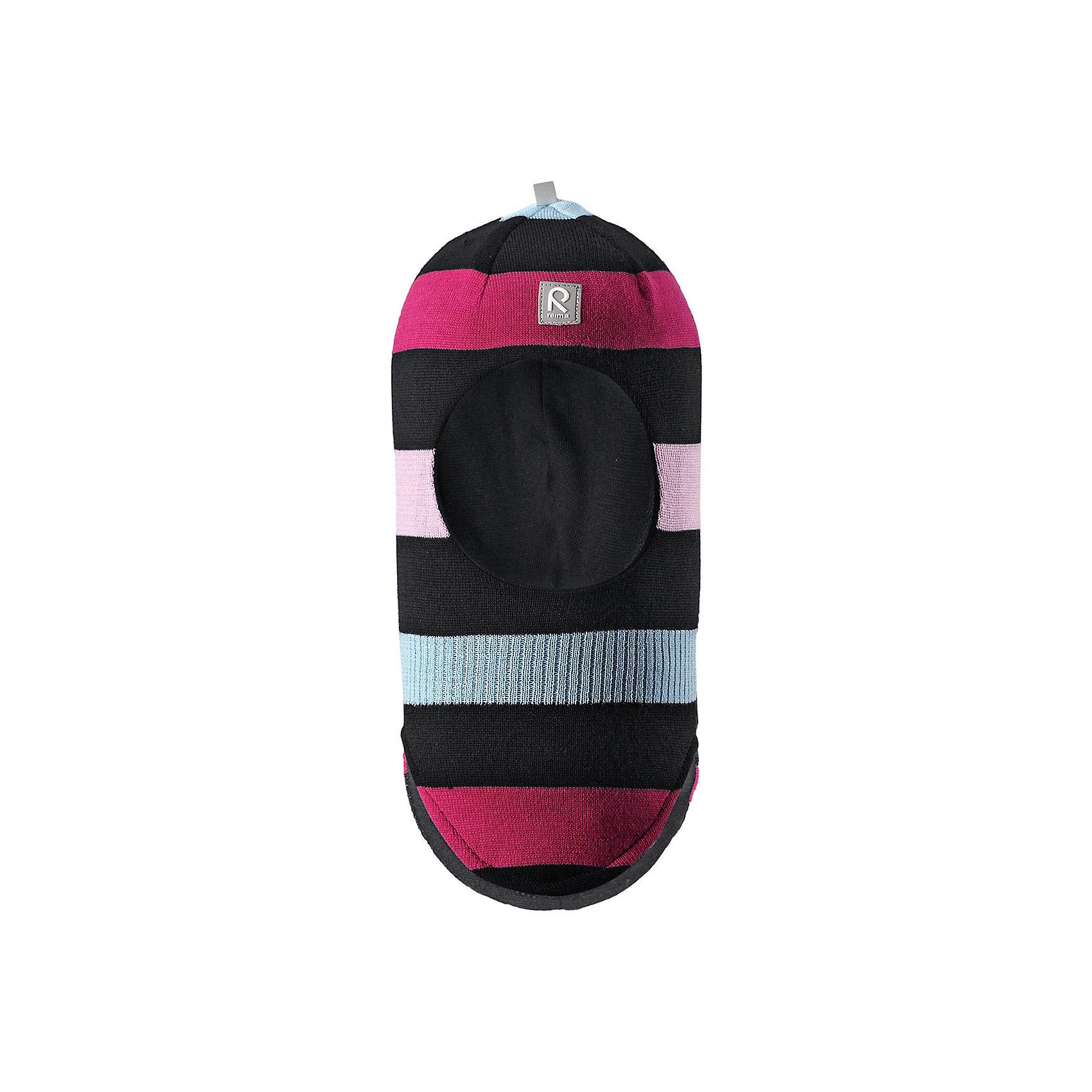 Шапка-шлем Reima StarrieШапки и шарфы<br>Характеристики товара:<br><br>• цвет: черный/розовый;<br>• состав: 100% шерсть;<br>• подкладка: 97% хлопок, 3% эластан<br>• температурный режим: от 0 до -20С;<br>• сезон: зима; <br>• особенности модели: вязаная, на подкладке;<br>• мягкая ткань из мериносовой шерсти для поддержания идеальной температуры тела;<br>• сплошная подкладка: хлопковый трикотаж с эластаном;<br>• ветронепроницаемые вставки в области ушей;<br>• светоотражающая эмблема;<br>• логотип Reima спереди;<br>• страна бренда: Финляндия;<br>• страна изготовитель: Китай.<br><br>Вязаная шапка-шлем в полоску из коллекции Reima® Originals защищает голову малыша в холодную пору. Эта шапка-шлем для малышей и детей постарше связана из теплой шерсти и подшита мягкой на ощупь подкладкой из смеси хлопка и эластана, которая удобно облегает голову.<br><br>Ветронепроницаемые вставки в области ушей, вшитые между подкладкой и верхним слоем, защищают ушки от холодного ветра. Эта классическая модель хорошо закрывает лоб, щечки и шею. <br><br>Шапка-шлем Reima Starrie от финского бренда Reima (Рейма) можно купить в нашем интернет-магазине.<br><br>Ширина мм: 89<br>Глубина мм: 117<br>Высота мм: 44<br>Вес г: 155<br>Цвет: черный<br>Возраст от месяцев: 9<br>Возраст до месяцев: 12<br>Пол: Унисекс<br>Возраст: Детский<br>Размер: 46,54,52,50,48<br>SKU: 6907030