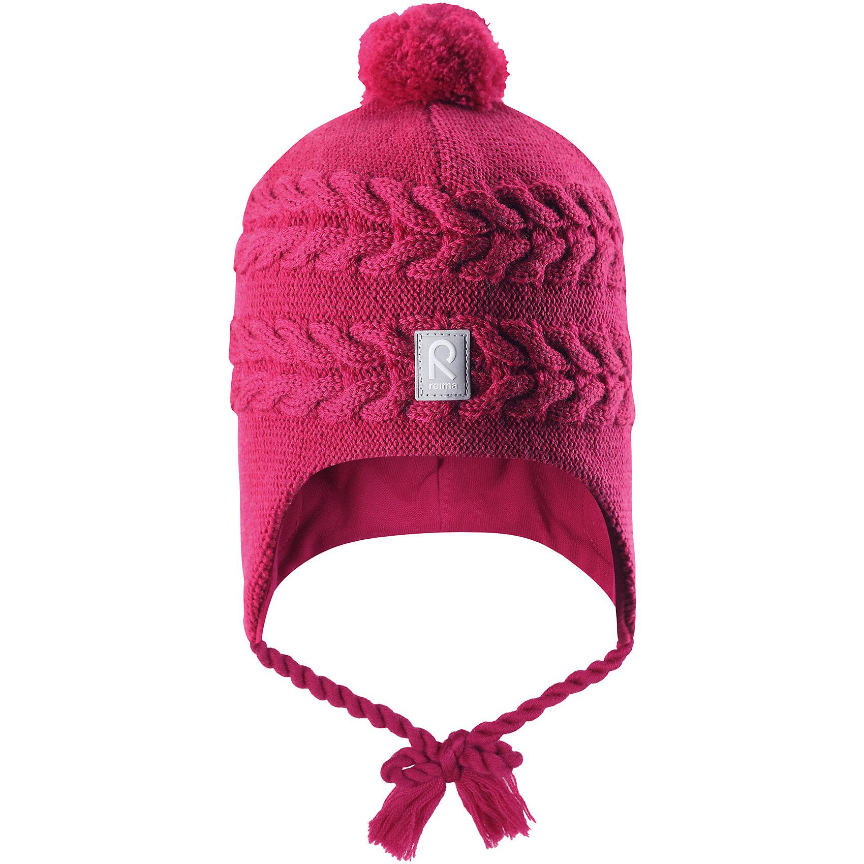 Шапка Reima Hiutale для девочкиГоловные уборы<br>Характеристики товара:<br><br>• цвет: фуксия;<br>• состав: 100% шерсть;<br>• подкладка: 97% хлопок, 3% эластан;<br>• температурный режим: от 0 до -20С;<br>• сезон: зима; <br>• особенности модели: вязаная, шерстяная;<br>• мягкая ткань из мериносовой шерсти для поддержания идеальной температуры;<br>• ветронепроницаемые вставки в области ушей;<br>• сплошная подкладка: гладкий хлопковый трикотаж;<br>• шапка на завязках, сверху помпон;<br>• логотип Reima спереди;<br>• страна бренда: Финляндия;<br>• страна изготовитель: Китай.<br><br>Красивая шерстяная шапка для малышей станет отличным вариантом на зимние холода! Шапка связана из мериносовой шерсти и снабжена уютной и мягкой трикотажной подкладкой. Ветронепроницаемые вставки защищают ушки в ветреную погоду, а завязки-косички, структурная вязка и веселый помпон довершают образ.<br><br>Шапку Hiutale для девочки Reima от финского бренда Reima (Рейма) можно купить в нашем интернет-магазине.<br><br>Ширина мм: 89<br>Глубина мм: 117<br>Высота мм: 44<br>Вес г: 155<br>Цвет: розовый<br>Возраст от месяцев: 60<br>Возраст до месяцев: 72<br>Пол: Женский<br>Возраст: Детский<br>Размер: 52,46,48,50<br>SKU: 6907116