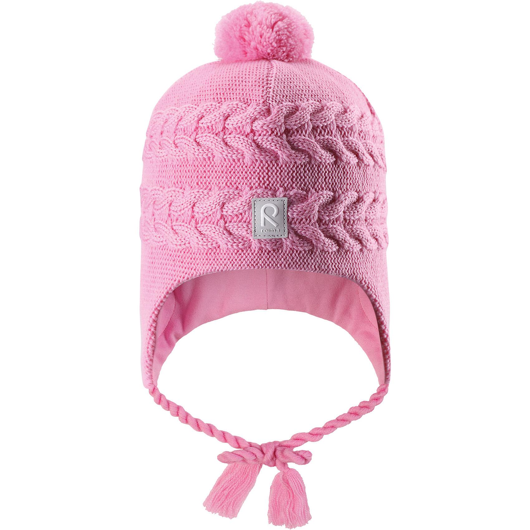 Шапка Reima Hiutale для девочкиГоловные уборы<br>Характеристики товара:<br><br>• цвет: розовый;<br>• состав: 100% шерсть;<br>• подкладка: 97% хлопок, 3% эластан;<br>• температурный режим: от 0 до -20С;<br>• сезон: зима; <br>• особенности модели: вязаная, шерстяная;<br>• мягкая ткань из мериносовой шерсти для поддержания идеальной температуры;<br>• ветронепроницаемые вставки в области ушей;<br>• сплошная подкладка: гладкий хлопковый трикотаж;<br>• шапка на завязках, сверху помпон;<br>• логотип Reima спереди;<br>• страна бренда: Финляндия;<br>• страна изготовитель: Китай.<br><br>Красивая шерстяная шапка для малышей станет отличным вариантом на зимние холода! Шапка связана из мериносовой шерсти и снабжена уютной и мягкой трикотажной подкладкой. Ветронепроницаемые вставки защищают ушки в ветреную погоду, а завязки-косички, структурная вязка и веселый помпон довершают образ.<br><br>Шапку Hiutale для девочки Reima от финского бренда Reima (Рейма) можно купить в нашем интернет-магазине.<br><br>Ширина мм: 89<br>Глубина мм: 117<br>Высота мм: 44<br>Вес г: 155<br>Цвет: розовый<br>Возраст от месяцев: 60<br>Возраст до месяцев: 72<br>Пол: Женский<br>Возраст: Детский<br>Размер: 52,46,48,50<br>SKU: 6907121