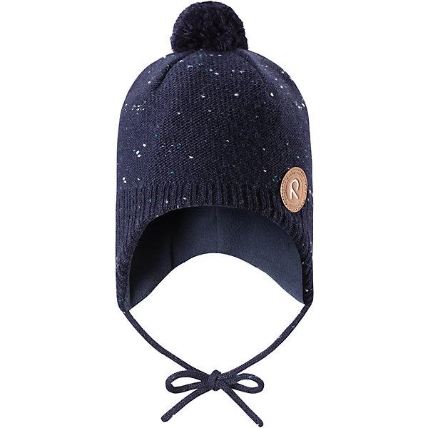 Шапка Reima Yll?s для мальчикаШапки и шарфы<br>Характеристики товара:<br><br>• цвет: темно-синий;<br>• состав: 50% шерсть, 50% полиакрил;<br>• подкладка: 100% полиэстер, флис;<br>• температурный режим: от 0 до -20С;<br>• сезон: зима; <br>• особенности модели: вязаная, шерстяная;<br>• шерсть идеально поддерживает температуру;<br>• ветронепроницаемые вставки в области ушей;<br>• сплошная подкладка: мягкий теплый флис;<br>• шапка на завязках, сверху помпон;<br>• логотип Reima спереди;<br>• страна бренда: Финляндия;<br>• страна изготовитель: Китай.<br><br>Шерстяная шапка для малышей с чудесным рисунком надежно согреет в холодный зимний день! Эта шапка для малышей из мериносовой шерсти подарит уют в морозную погоду: мягкая флисовая подкладка обеспечит ребенку тепло и комфорт. За счет эластичной вязки шапка отлично сидит, а ветронепроницаемые вставки в области ушей защищают ушки от холодного ветра. Благодаря завязкам, эта стильная шапка не съезжает и хорошо защищает голову. Маленький помпон на макушке довершает образ.<br><br>Шапку Yll?s Reima от финского бренда Reima (Рейма) можно купить в нашем интернет-магазине.<br>Ширина мм: 89; Глубина мм: 117; Высота мм: 44; Вес г: 155; Цвет: синий; Возраст от месяцев: 9; Возраст до месяцев: 12; Пол: Мужской; Возраст: Детский; Размер: 46,52,50,48; SKU: 6907156;