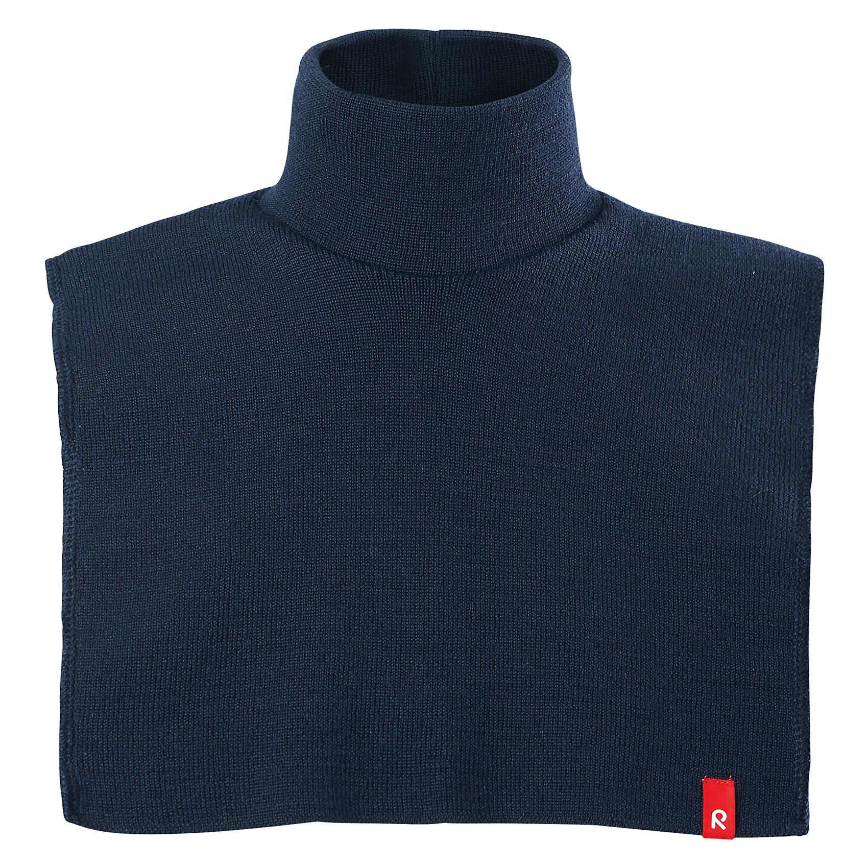 Манишка Reima StarВерхняя одежда<br>Характеристики товара:<br><br>• цвет: синий;<br>• состав: 100% шерсть;<br>• подкладка: 97% хлопок, 3% эластан;<br>• температурный режим: от 0 до -20С;<br>• сезон: зима; <br>• особенности модели: вязаная, шерстяная;<br>• мягкая ткань из мериносовой шерсти для поддержания идеальной температуры тела;<br>• частичная подкладка: хлопчатобумажная ткань ;<br>• логотип Reima спереди;<br>• страна бренда: Финляндия;<br>• страна изготовитель: Китай.<br><br>Красивая и мягкая шерстяная горловина с изумительным вязаным узором снабжена изнутри подкладкой из хлопкового трикотажа, так что не будет колоться или раздражать кожу. Во время игр на улице теплая горловина обеспечивает дополнительную защиту шеи и верхней части груди.<br><br>Манишку Reima Star от финского бренда Reima (Рейма) можно купить в нашем интернет-магазине.<br><br>Ширина мм: 88<br>Глубина мм: 155<br>Высота мм: 26<br>Вес г: 106<br>Цвет: синий<br>Возраст от месяцев: 36<br>Возраст до месяцев: 48<br>Пол: Унисекс<br>Возраст: Детский<br>Размер: 50/52,46/48<br>SKU: 6907254
