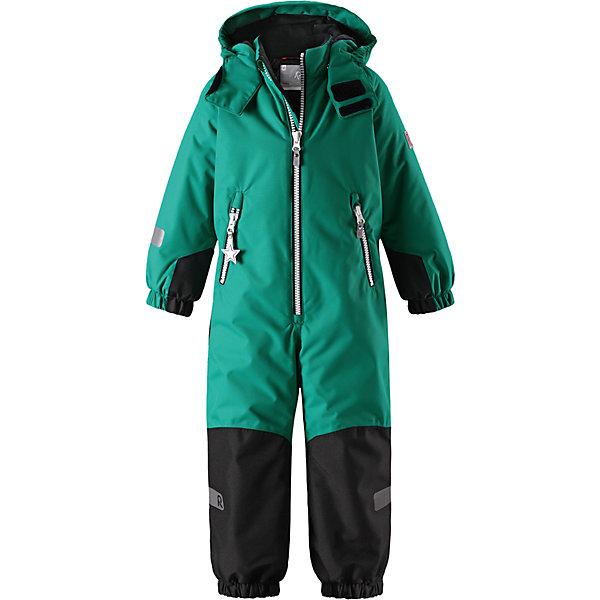 Комбинезон Reimatec® Reima Finn для мальчикаОдежда<br>Характеристики товара:<br><br>• цвет: зеленый;<br>• состав: 100% полиэстер;<br>• подкладка: 100% полиэстер;<br>• утеплитель: 160 г/м2<br>• температурный режим: от 0 до -20С;<br>• сезон: зима; <br>• водонепроницаемость: 8000/10000 мм;<br>• воздухопроницаемость: 7000/5000 мм;<br>• износостойкость: 30000/50000 циклов (тест Мартиндейла);<br>• водо- и ветронепроницаемый, дышащий и грязеотталкивающий материал;<br>• все швы проклеены и водонепроницаемы;<br>• прочные усиленные вставки внизу, на коленях и снизу на ногах;<br>• гладкая подкладка из полиэстера;<br>• мягкая резинка на кромке капюшона и манжетах;<br>• застежка: молния с защитой подбородка;<br>• безопасный съемный капюшон на кнопках;<br>• внутренняя регулировка обхвата талии;<br>• прочные съемные силиконовые штрипки;<br>• два кармана на молнии;<br>• светоотражающие детали;<br>• страна бренда: Финляндия;<br>• страна изготовитель: Китай.<br><br>Зимний комбинезон Reimatec® Kiddo изготовлен из водо и ветронепроницаемого материала с водо и грязеотталкивающей поверхностью. Все швы проклеены, водонепроницаемы. В комбинезоне предусмотрены прочные усиления на задней части, коленях и концах брючин. В этом комбинезоне прямого кроя талия при необходимости легко регулируется, что позволяет подогнать его точно по фигуре. <br><br>Съемный капюшон защищает от пронизывающего ветра, а еще он безопасен во время игр на свежем воздухе. Кнопки легко отстегиваются, если капюшон случайно за что-нибудь зацепится. Силиконовые штрипки не дают концам брючин задираться, бегай сколько хочешь! Образ довершает мягкая резинка по краю капюшона и на манжетах, два кармана на молнии и светоотражающие детали.<br><br>Комбинезон Finn Reimatec® Reima от финского бренда Reima (Рейма) можно купить в нашем интернет-магазине.<br><br>Ширина мм: 356<br>Глубина мм: 10<br>Высота мм: 245<br>Вес г: 519<br>Цвет: зеленый<br>Возраст от месяцев: 108<br>Возраст до месяцев: 120<br>Пол: Мужской<br>Возраст: Детский<br>Р