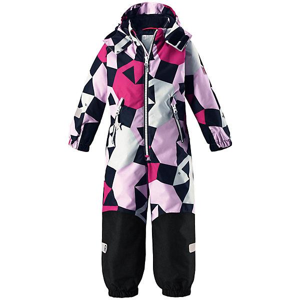 Комбинезон Reimatec® Reima Snowy для девочкиВерхняя одежда<br>Характеристики товара:<br><br>• цвет: мульти;<br>• состав: 100% полиэстер;<br>• подкладка: 100% полиэстер;<br>• утеплитель: 160 г/м2<br>• температурный режим: от 0 до -20С;<br>• сезон: зима; <br>• водонепроницаемость: 8000/10000 мм;<br>• воздухопроницаемость: 7000/5000 мм;<br>• износостойкость: 30000/50000 циклов (тест Мартиндейла);<br>• водо- и ветронепроницаемый, дышащий и грязеотталкивающий материал;<br>• все швы проклеены и водонепроницаемы;<br>• прочные усиленные вставки внизу, на коленях и снизу на ногах;<br>• гладкая подкладка из полиэстера;<br>• мягкая резинка на кромке капюшона и манжетах;<br>• застежка: молния с защитой подбородка;<br>• безопасный съемный капюшон на кнопках;<br>• внутренняя регулировка обхвата талии;<br>• прочные съемные силиконовые штрипки;<br>• два кармана на молнии;<br>• светоотражающие детали;<br>• страна бренда: Финляндия;<br>• страна изготовитель: Китай.<br><br>Зимний комбинезон на молнии изготовлен из водо и ветронепроницаемого материала с водо и грязеотталкивающей поверхностью. Все швы проклеены, водонепроницаемы. Комбинезон снабжен прочными усилениями на задней части, коленях и концах брючин. В этом комбинезоне прямого кроя талия при необходимости легко регулируется, что позволяет подогнать комбинезон точно по фигуре. <br><br>Съемный капюшон защищает от пронизывающего ветра, а еще он безопасен во время игр на свежем воздухе. Кнопки легко отстегиваются, если капюшон случайно за что-нибудь зацепится. Силиконовые штрипки не дают концам брючин задираться, бегай сколько хочешь! Образ довершают мягкая резинка по краю капюшона и на манжетах, два кармана на молнии и светоотражающие детали. <br><br>Комбинезон Snowy Reimatec® Reima от финского бренда Reima (Рейма) можно купить в нашем интернет-магазине.<br><br>Ширина мм: 356<br>Глубина мм: 10<br>Высота мм: 245<br>Вес г: 519<br>Цвет: черный<br>Возраст от месяцев: 108<br>Возраст до месяцев: 120<br>Пол: Женский<br>Возраст: Детский<b