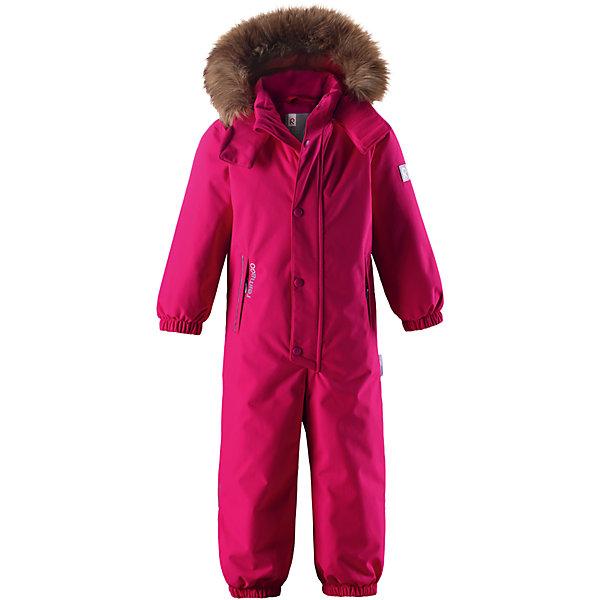 Комбинезон Reimatec® Reima StavangerОдежда<br>Характеристики товара:<br><br>• цвет: розовый;<br>• состав: 100% полиэстер;<br>• подкладка: 100% полиэстер;<br>• утеплитель: 160 г/м2<br>• температурный режим: от 0 до -20С;<br>• сезон: зима; <br>• водонепроницаемость: 12000 мм;<br>• воздухопроницаемость: 8000 мм;<br>• износостойкость: 80000 циклов (тест Мартиндейла);<br>• водо- и ветронепроницаемый, дышащий и грязеотталкивающий материал;<br>• все швы проклеены и водонепроницаемы;<br>• гладкая подкладка из полиэстера;<br>• эластичные манжеты и пояс сзади;<br>• застежка: молния с защитой подбородка;<br>• безопасный съемный капюшон на кнопках;<br>• съемный искусственный мех на капюшоне;<br>• регулируемая длина брюк с помощью кнопок;<br>• внутренняя регулировка обхвата талии;<br>• прочные съемные силиконовые штрипки;<br>• два кармана на молнии;<br>• кармана с креплением для сенсора ReimaGO®;<br>• светоотражающие детали;<br>• страна бренда: Финляндия;<br>• страна изготовитель: Китай.<br><br>Этот детский зимний комбинезон, изготовленный из дышащего и прочного материала Duraplus®, обеспечит комфорт в любую погоду и во время любых занятий. Все швы в нем проклеены, водонепроницаемы, так что внутрь не просочится ни одной капельки – можно часами резвиться в снегу, все равно в нем будет тепло и сухо. В этой модели прямого кроя талия легко регулируется, что позволяет подогнать комбинезон точно по фигуре. <br><br>Съемный капюшон защищает от холодного ветра, а еще обеспечивает дополнительную безопасность во время игр на улице – кнопки капюшона легко отстегнутся, если он случайно за что-нибудь зацепится. Образ оживляет безопасный съемный капюшон со съемной оторочкой из искусственного меха. Силиконовые штрипки не дают концам брючин подскакивать, а еще концы брючин можно отрегулировать кнопками! Комбинезон снабжен подкладкой из гладкого полиэстера, поэтому легко надевается, и его очень удобно носить с теплым промежуточным слоем.<br><br>Комбинезон Stavanger Reimatec® Reima от финского бре