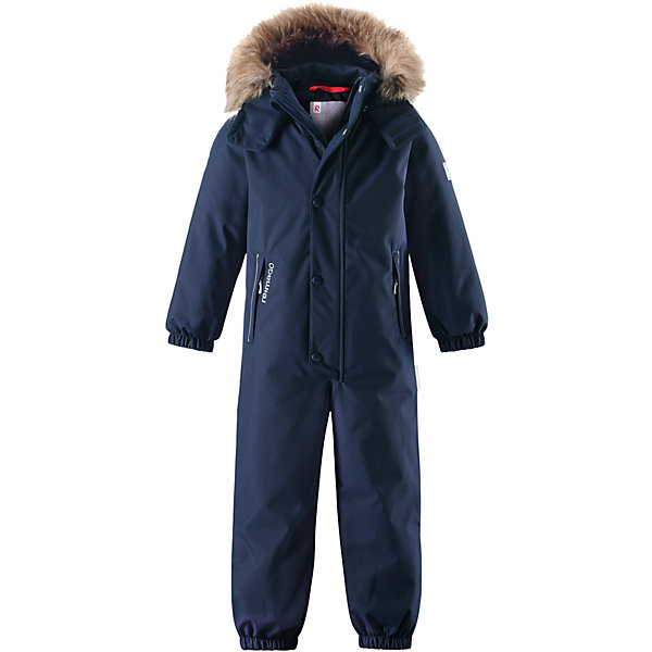 Комбинезон Reimatec® Reima Stavanger для мальчикаОдежда<br>Характеристики товара:<br><br>• цвет: темно-синий;<br>• состав: 100% полиэстер;<br>• подкладка: 100% полиэстер;<br>• утеплитель: 160 г/м2<br>• температурный режим: от 0 до -20С;<br>• сезон: зима; <br>• водонепроницаемость: 12000 мм;<br>• воздухопроницаемость: 8000 мм;<br>• износостойкость: 80000 циклов (тест Мартиндейла);<br>• водо- и ветронепроницаемый, дышащий и грязеотталкивающий материал;<br>• все швы проклеены и водонепроницаемы;<br>• гладкая подкладка из полиэстера;<br>• эластичные манжеты и пояс сзади;<br>• застежка: молния с защитой подбородка;<br>• безопасный съемный капюшон на кнопках;<br>• съемный искусственный мех на капюшоне;<br>• регулируемая длина брюк с помощью кнопок;<br>• внутренняя регулировка обхвата талии;<br>• прочные съемные силиконовые штрипки;<br>• два кармана на молнии;<br>• кармана с креплением для сенсора ReimaGO®;<br>• светоотражающие детали;<br>• страна бренда: Финляндия;<br>• страна изготовитель: Китай.<br><br>Этот детский зимний комбинезон, изготовленный из дышащего и прочного материала Duraplus®, обеспечит комфорт в любую погоду и во время любых занятий. Все швы в нем проклеены, водонепроницаемы, так что внутрь не просочится ни одной капельки – можно часами резвиться в снегу, все равно в нем будет тепло и сухо. Внутренние подтяжки позволяют снимать в помещении верхнюю часть комбинезона, которая будет аккуратно держаться на пояснице. В этой модели прямого кроя талия легко регулируется, что позволяет подогнать комбинезон точно по фигуре. <br><br>Съемный капюшон защищает от холодного ветра, а еще обеспечивает дополнительную безопасность во время игр на улице – кнопки капюшона легко отстегнутся, если он случайно за что-нибудь зацепится. Образ оживляет безопасный съемный капюшон со съемной оторочкой из искусственного меха. Силиконовые штрипки не дают концам брючин подскакивать, а еще концы брючин можно отрегулировать кнопками! Комбинезон снабжен подкладкой из гладкого полиэстера, 