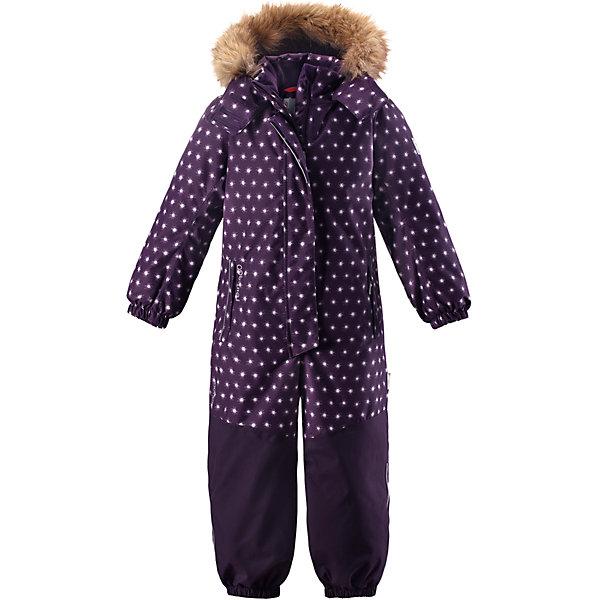 Комбинезон Reimatec® Reima Oulu для девочкиОдежда<br>Характеристики товара:<br><br>• цвет: фиолетовый;<br>• состав: 100% полиэстер;<br>• подкладка: 100% полиэстер;<br>• утеплитель: 160 г/м2<br>• температурный режим: от 0 до -20С;<br>• сезон: зима; <br>• водонепроницаемость: 15000/12000 мм;<br>• воздухопроницаемость: 8000/7000 мм;<br>• износостойкость: 40000/80000 циклов (тест Мартиндейла);<br>• водо- и ветронепроницаемый, дышащий и грязеотталкивающий материал;<br>• прочные усиленные вставки внизу, на коленях и снизу на ногах;<br>• все швы проклеены и водонепроницаемы;<br>• гладкая подкладка из полиэстера;<br>• эластичные манжеты;<br>• застежка: молния с защитой подбородка;<br>• безопасный съемный капюшон на кнопках;<br>• съемный искусственный мех на капюшоне;<br>• регулируемая длина брюк с помощью кнопок;<br>• внутренняя регулировка обхвата талии;<br>• прочные съемные силиконовые штрипки;<br>• два кармана на молнии;<br>• кармана с креплением для сенсора ReimaGO®;<br>• светоотражающие детали;<br>• страна бренда: Финляндия;<br>• страна изготовитель: Китай.<br><br>Непромокаемый и прочный детский зимний комбинезон Reimatec® с полностью проклеенными швами. Суперпрочные усиления на задней части, коленях и концах брючин. Этот практичный комбинезон изготовлен из ветронепроницаемого и дышащего материала. Комбинезон снабжен гладкой подкладкой из полиэстера. <br><br>В этом комбинезоне талия легко регулируется, что позволяет подогнать комбинезон точно по фигуре. А еще он снабжен эластичными манжетами на рукавах и концах брючин, которые регулируются застежкой на кнопках. Внутри комбинезона имеются удобные подтяжки, благодаря которым дети могут снять верхнюю часть. Подтяжки поддерживают верхнюю часть на бедрах, обеспечивая комфорт при входе в помещение и не позволяя комбинезону тащится по полу. <br><br>Съемный капюшон защищает от пронизывающего ветра, а еще он безопасен во время игр на свежем воздухе. Снабжен мягкой съемной оторочкой из искусственного меха. Кнопки легко отстегива