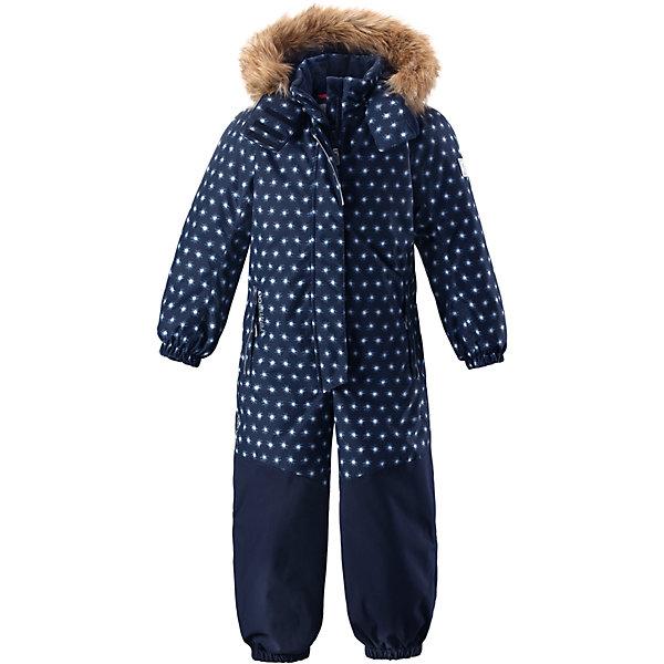 Комбинезон Reimatec® Reima Oulu для девочкиОдежда<br>Характеристики товара:<br><br>• цвет: синий;<br>• состав: 100% полиэстер;<br>• подкладка: 100% полиэстер;<br>• утеплитель: 160 г/м2<br>• температурный режим: от 0 до -20С;<br>• сезон: зима; <br>• водонепроницаемость: 15000/12000 мм;<br>• воздухопроницаемость: 8000/7000 мм;<br>• износостойкость: 40000/80000 циклов (тест Мартиндейла);<br>• водо- и ветронепроницаемый, дышащий и грязеотталкивающий материал;<br>• прочные усиленные вставки внизу, на коленях и снизу на ногах;<br>• все швы проклеены и водонепроницаемы;<br>• гладкая подкладка из полиэстера;<br>• эластичные манжеты;<br>• застежка: молния с защитой подбородка;<br>• безопасный съемный капюшон на кнопках;<br>• съемный искусственный мех на капюшоне;<br>• регулируемая длина брюк с помощью кнопок;<br>• внутренняя регулировка обхвата талии;<br>• прочные съемные силиконовые штрипки;<br>• два кармана на молнии;<br>• кармана с креплением для сенсора ReimaGO®;<br>• светоотражающие детали;<br>• страна бренда: Финляндия;<br>• страна изготовитель: Китай.<br><br>Непромокаемый и прочный детский зимний комбинезон Reimatec® с полностью проклеенными швами. Суперпрочные усиления на задней части, коленях и концах брючин. Этот практичный комбинезон изготовлен из ветронепроницаемого и дышащего материала. Комбинезон снабжен гладкой подкладкой из полиэстера. <br><br>В этом комбинезоне талия легко регулируется, что позволяет подогнать комбинезон точно по фигуре. А еще он снабжен эластичными манжетами на рукавах и концах брючин, которые регулируются застежкой на кнопках. Внутри комбинезона имеются удобные подтяжки, благодаря которым дети могут снять верхнюю часть. Подтяжки поддерживают верхнюю часть на бедрах, обеспечивая комфорт при входе в помещение и не позволяя комбинезону тащится по полу. <br><br>Съемный капюшон защищает от пронизывающего ветра, а еще он безопасен во время игр на свежем воздухе. Снабжен мягкой съемной оторочкой из искусственного меха. Кнопки легко отстегиваются,