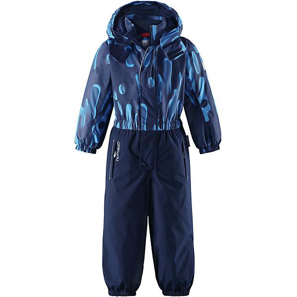 Комбинезон Reimatec® Reima Kemi для мальчикаОдежда<br>Характеристики товара:<br><br>• цвет: синий;<br>• состав: 100% полиэстер;<br>• подкладка: 100% полиэстер;<br>• утеплитель: 160 г/м2<br>• температурный режим: от 0 до -20С;<br>• сезон: зима; <br>• водонепроницаемость: 15000/12000 мм;<br>• воздухопроницаемость: 8000/7000 мм;<br>• износостойкость: 35000/80000 циклов (тест Мартиндейла);<br>• водо- и ветронепроницаемый, дышащий и грязеотталкивающий материал;<br>• очень прочный материал в нижней части изделия, внутренние швы отсутствуют;<br>• все швы проклеены и водонепроницаемы;<br>• гладкая подкладка из полиэстера;<br>• эластичные манжеты;<br>• застежка: молния с защитой подбородка;<br>• безопасный съемный и регулируемый капюшон на кнопках;<br>• регулируемая длина брюк с помощью кнопок;<br>• внутренняя регулировка обхвата талии;<br>• прочные съемные силиконовые штрипки;<br>• два кармана на молнии;<br>• кармана с креплением для сенсора ReimaGO®;<br>• светоотражающие детали;<br>• страна бренда: Финляндия;<br>• страна изготовитель: Китай.<br><br>Непромокаемый детский зимний комбинезон Reimatec® с полностью проклеенными швами. Очень прочная нижняя часть без внутренних швов. Этот практичный комбинезон изготовлен из ветронепроницаемого и дышащего материала. Комбинезон снабжен гладкой подкладкой из полиэстера. <br><br>В этом комбинезоне прямого кроя талия легко регулируется, что позволяет подогнать комбинезон точно по фигуре. А еще он снабжен эластичными манжетами на рукавах и концах брючин, которые регулируются застежкой на кнопках.<br><br>Съемный капюшон защищает от пронизывающего ветра, а еще он безопасен во время игр на свежем воздухе. Кнопки легко отстегиваются, если капюшон случайно за что-нибудь зацепится. Силиконовые штрипки не дают концам брючин задираться.  Два кармана на молнии и специальный карман с кнопками для сенсора ReimaGO®. Светоотражающие детали довершают образ.<br><br>Комбинезон Kemi Reimatec® Reima от финского бренда Reima (Рейма) можно купить в нашем и