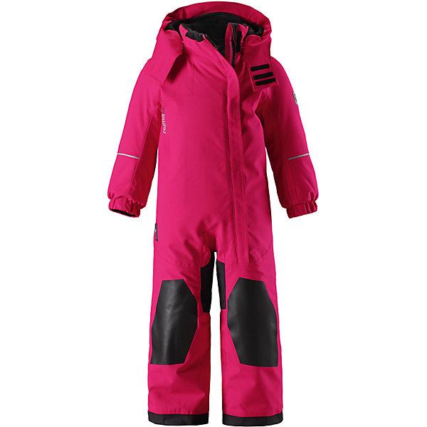 Комбинезон Reimatec®+ Reima VuonoОдежда<br>Характеристики товара:<br><br>• цвет: розовый;<br>• состав: 100% полиэстер;<br>• подкладка: 100% полиэстер;<br>• утеплитель: 160 г/м2<br>• температурный режим: от 0 до -20С;<br>• сезон: зима; <br>• водонепроницаемость: 10000/12000 мм;<br>• воздухопроницаемость: 8000 мм;<br>• износостойкость: 15000/80000 циклов (тест Мартиндейла);<br>• водо- и ветронепроницаемый, дышащий и грязеотталкивающий материал;<br>• прочные усиленные вставки внизу, на коленях и снизу на ногах;<br>• все швы проклеены и водонепроницаемы;<br>• гладкая подкладка из полиэстера;<br>• эластичные манжеты;<br>• застежка: молния с защитой подбородка;<br>• безопасный съемный и регулируемый капюшон на кнопках;<br>• регулируемый обхват талии;<br>• снегозащитные манжеты на штанинах;<br>• карманы на молнии, карман для горнолыжного абонемента на рукаве;<br>• кармана с креплением для сенсора ReimaGO®;<br>• светоотражающие детали;<br>• страна бренда: Финляндия;<br>• страна изготовитель: Китай.<br><br>Прочный и удобный зимний комбинезон Reimatec® с максимальными характеристиками для малышей и детей постарше! Куртка сшита из специального материала – водо и ветронепроницаемого, и при этом дышащего, эластичного и грязеотталкивающего. Все швы проклеены, водонепроницаемы, а концы рукавов и брючин снабжены защитой от снега. <br><br>Зауженные манжеты на рукавах не будут мешать во время игры или лазанья по деревьям. Благодаря гладкой подкладке из полиэстера комбинезон легко надевать и удобно носить с одеждой промежуточного слоя. Комбинезон снабжен регулируемым и отстегивающимся капюшоном, безопасным для игр на улице. В этом комбинезоне талия легко регулируется, что позволяет подогнать его идеально по фигуре. <br><br>Длинная застежка на молнии спереди облегчает надевание. Комбинезон также имеет прочные усиления на задней части, коленях и концах брючин. Отделку довершают светоотражающие детали, карман на рукаве, карман на молнии и карман с кнопками для сенсора ReimaGO®.<br><br>Ко