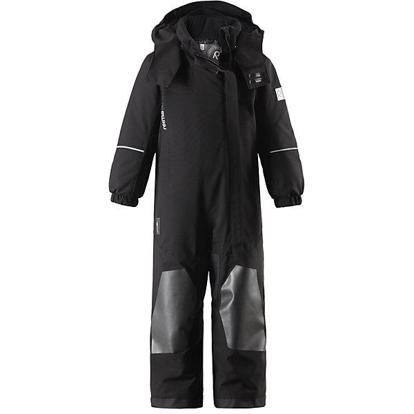 Комбинезон Reimatec®+ Reima VuonoВерхняя одежда<br>Характеристики товара:<br><br>• цвет: черный;<br>• состав: 100% полиэстер;<br>• подкладка: 100% полиэстер;<br>• утеплитель: 160 г/м2<br>• температурный режим: от 0 до -20С;<br>• сезон: зима; <br>• водонепроницаемость: 10000/12000 мм;<br>• воздухопроницаемость: 8000 мм;<br>• износостойкость: 15000/80000 циклов (тест Мартиндейла);<br>• водо- и ветронепроницаемый, дышащий и грязеотталкивающий материал;<br>• прочные усиленные вставки внизу, на коленях и снизу на ногах;<br>• все швы проклеены и водонепроницаемы;<br>• гладкая подкладка из полиэстера;<br>• эластичные манжеты;<br>• застежка: молния с защитой подбородка;<br>• безопасный съемный и регулируемый капюшон на кнопках;<br>• регулируемый обхват талии;<br>• снегозащитные манжеты на штанинах;<br>• карманы на молнии, карман для горнолыжного абонемента на рукаве;<br>• кармана с креплением для сенсора ReimaGO®;<br>• светоотражающие детали;<br>• страна бренда: Финляндия;<br>• страна изготовитель: Китай.<br><br>Прочный и удобный зимний комбинезон Reimatec® с максимальными характеристиками для малышей и детей постарше! Куртка сшита из специального материала – водо и ветронепроницаемого, и при этом дышащего, эластичного и грязеотталкивающего. Все швы проклеены, водонепроницаемы, а концы рукавов и брючин снабжены защитой от снега. <br><br>Зауженные манжеты на рукавах не будут мешать во время игры или лазанья по деревьям. Благодаря гладкой подкладке из полиэстера комбинезон легко надевать и удобно носить с одеждой промежуточного слоя. Комбинезон снабжен регулируемым и отстегивающимся капюшоном, безопасным для игр на улице. В этом комбинезоне талия легко регулируется, что позволяет подогнать его идеально по фигуре. <br><br>Длинная застежка на молнии спереди облегчает надевание. Комбинезон также имеет прочные усиления на задней части, коленях и концах брючин. Отделку довершают светоотражающие детали, карман на рукаве, карман на молнии и карман с кнопками для сенсора ReimaGO®.<br